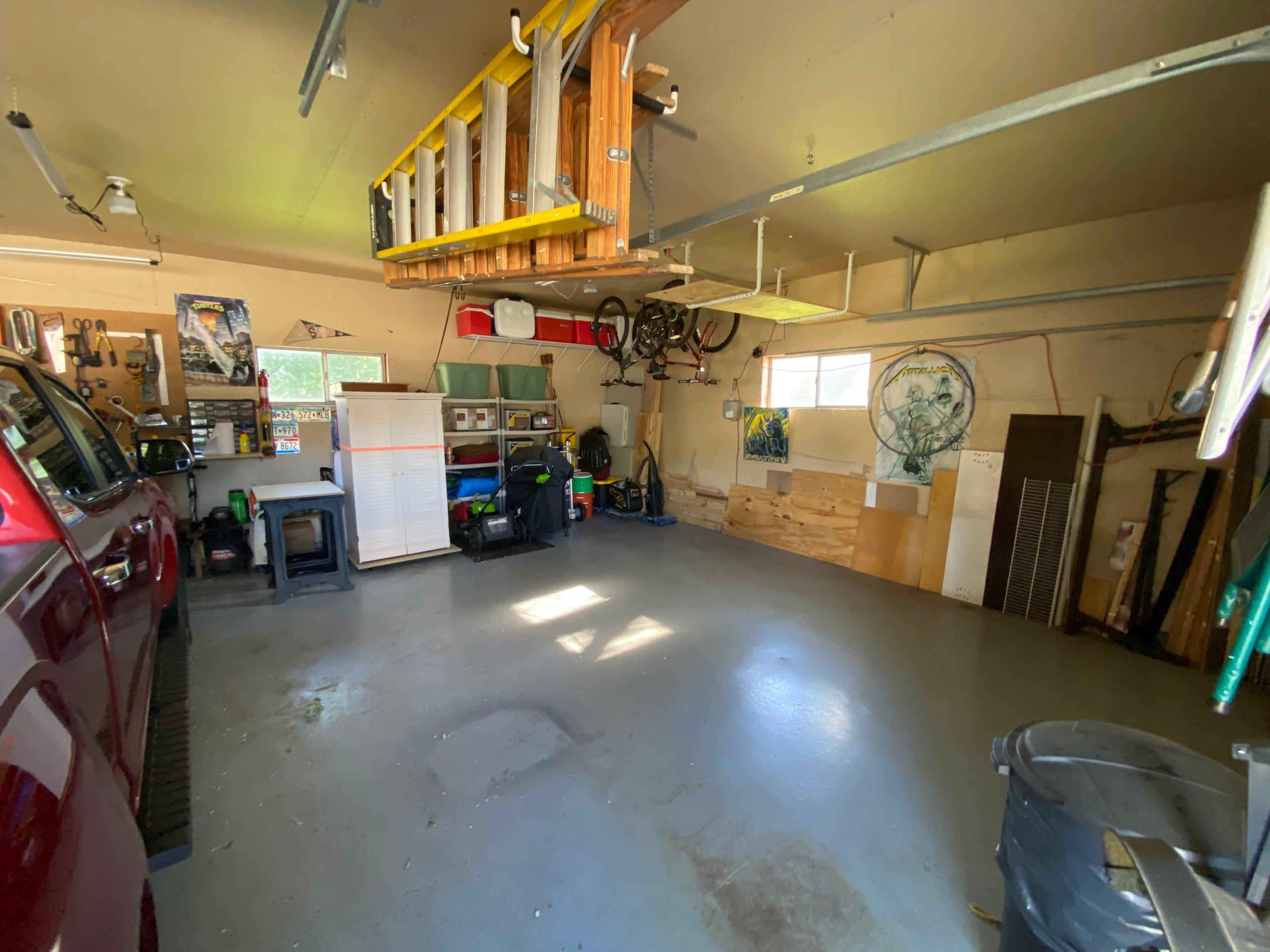 18x9 Garage self storage unit