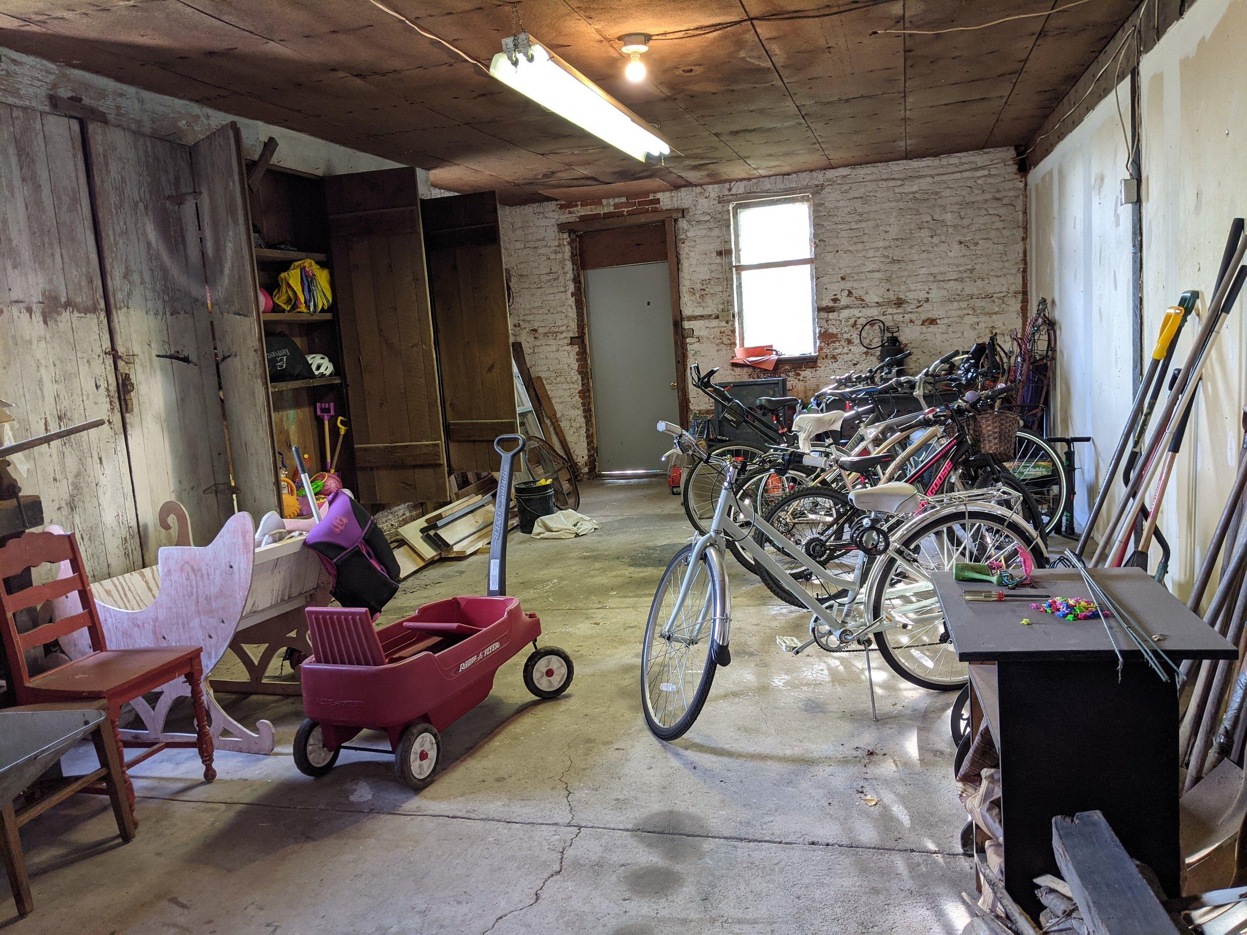 45x35 Garage self storage unit