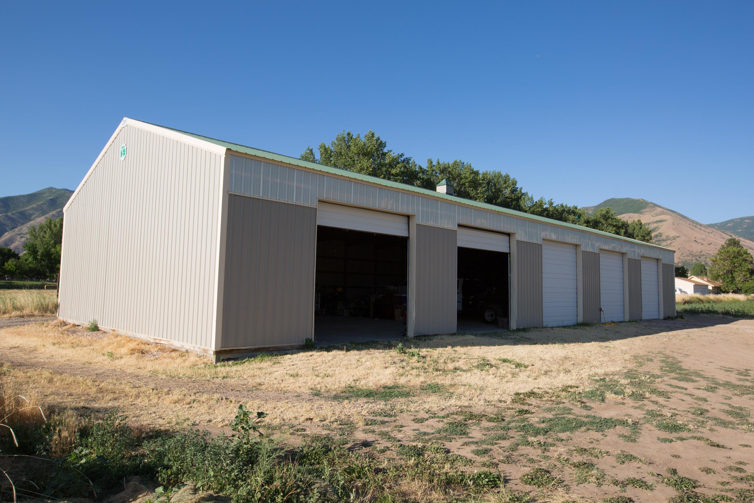 40x30 Driveway self storage unit
