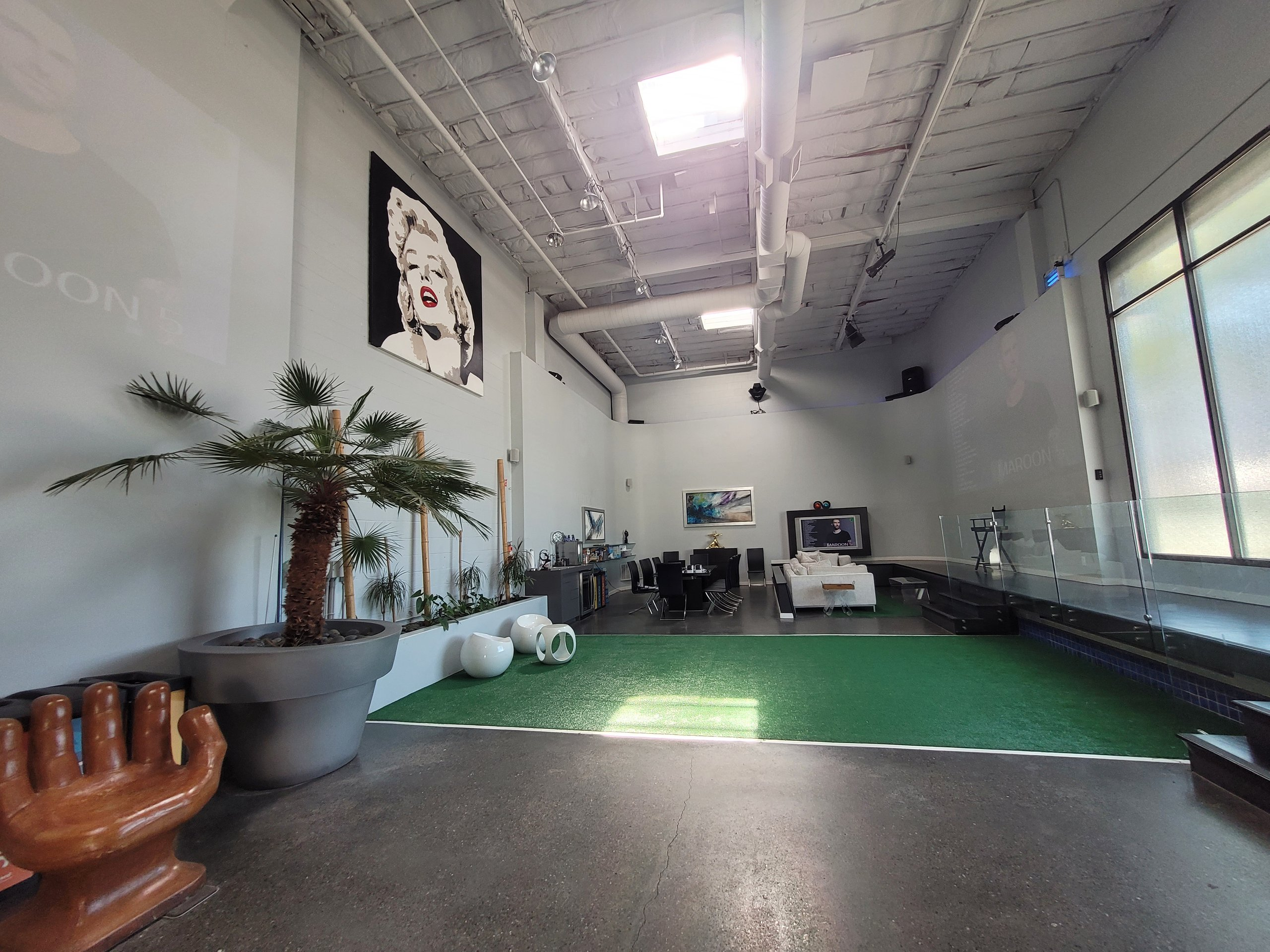 51x27 Warehouse self storage unit
