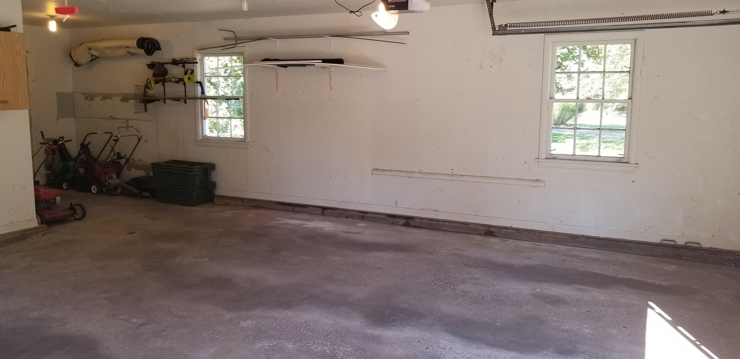 23x11 Garage self storage unit