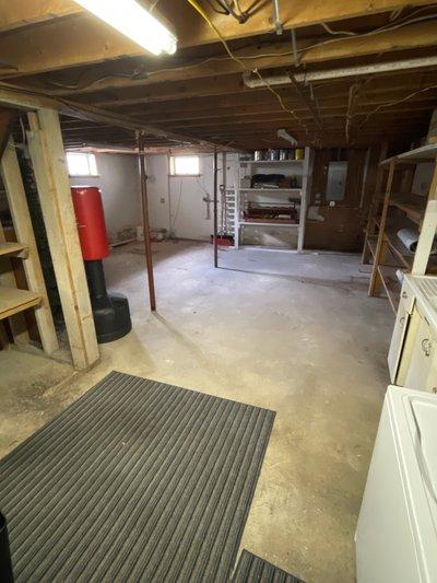 17x17 Basement self storage unit