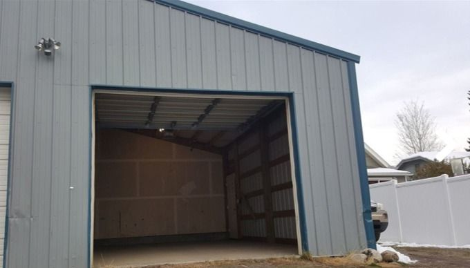 30x20 Garage self storage unit