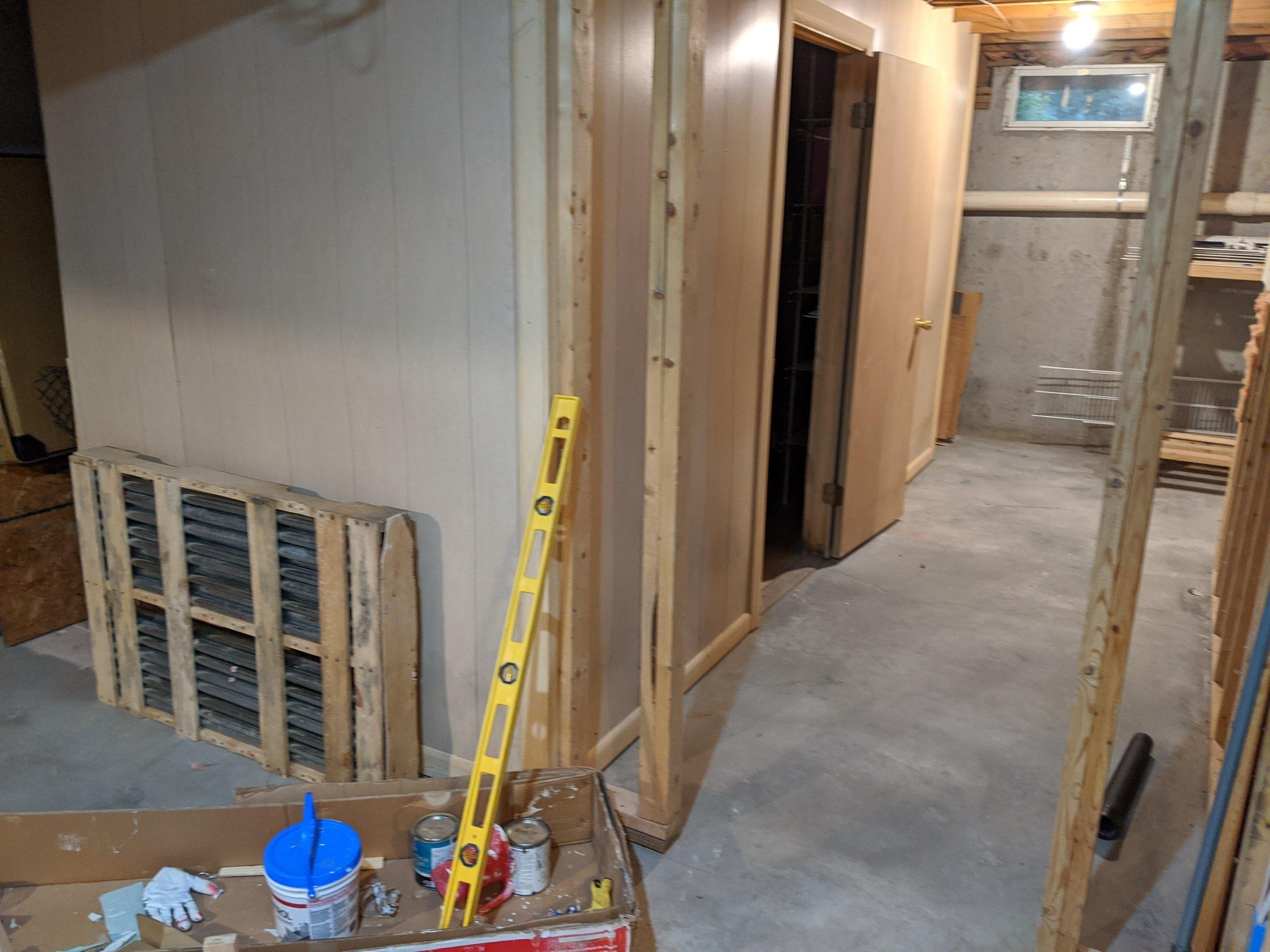 40x25 Basement self storage unit