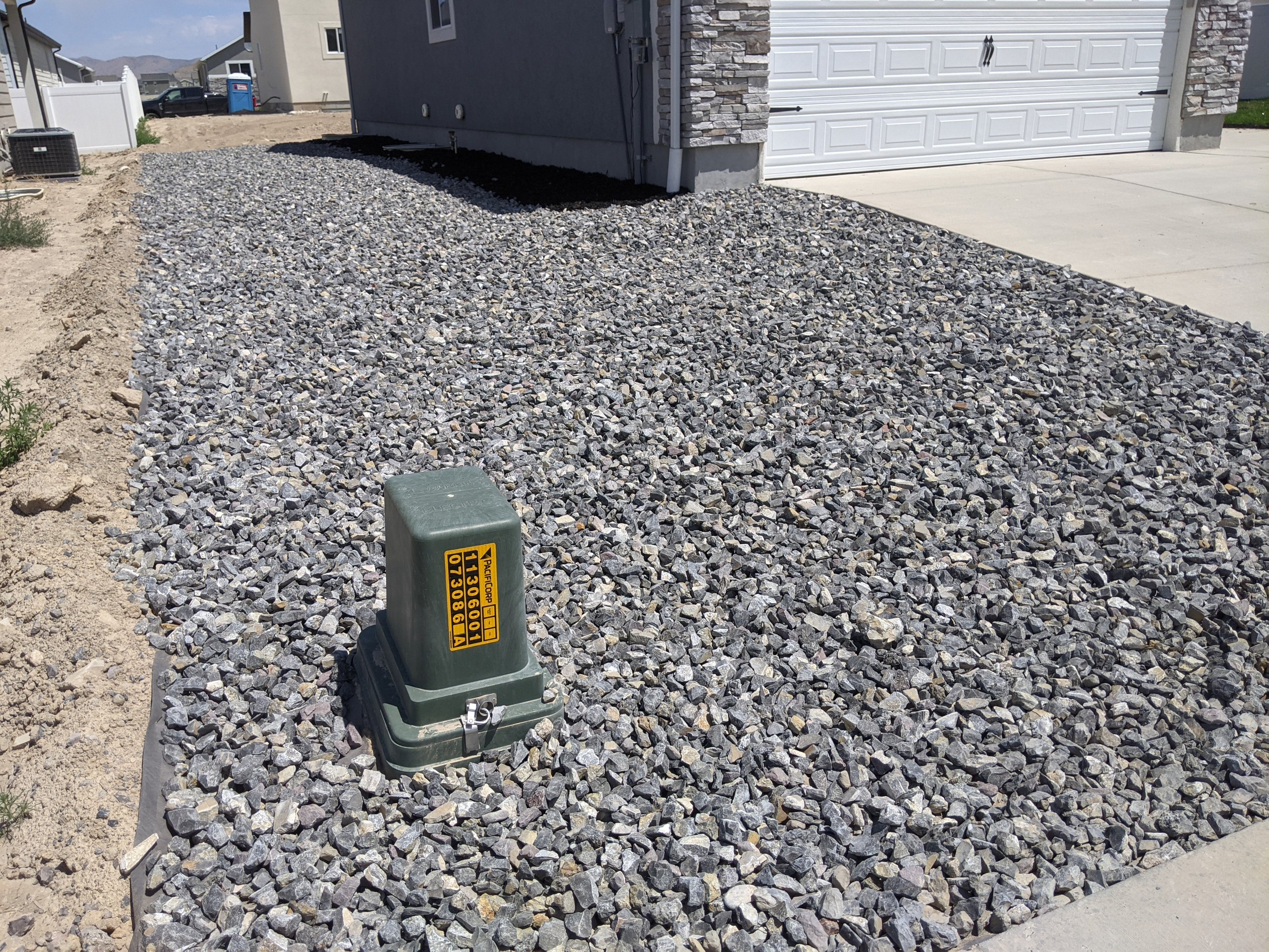 22x16 Driveway self storage unit