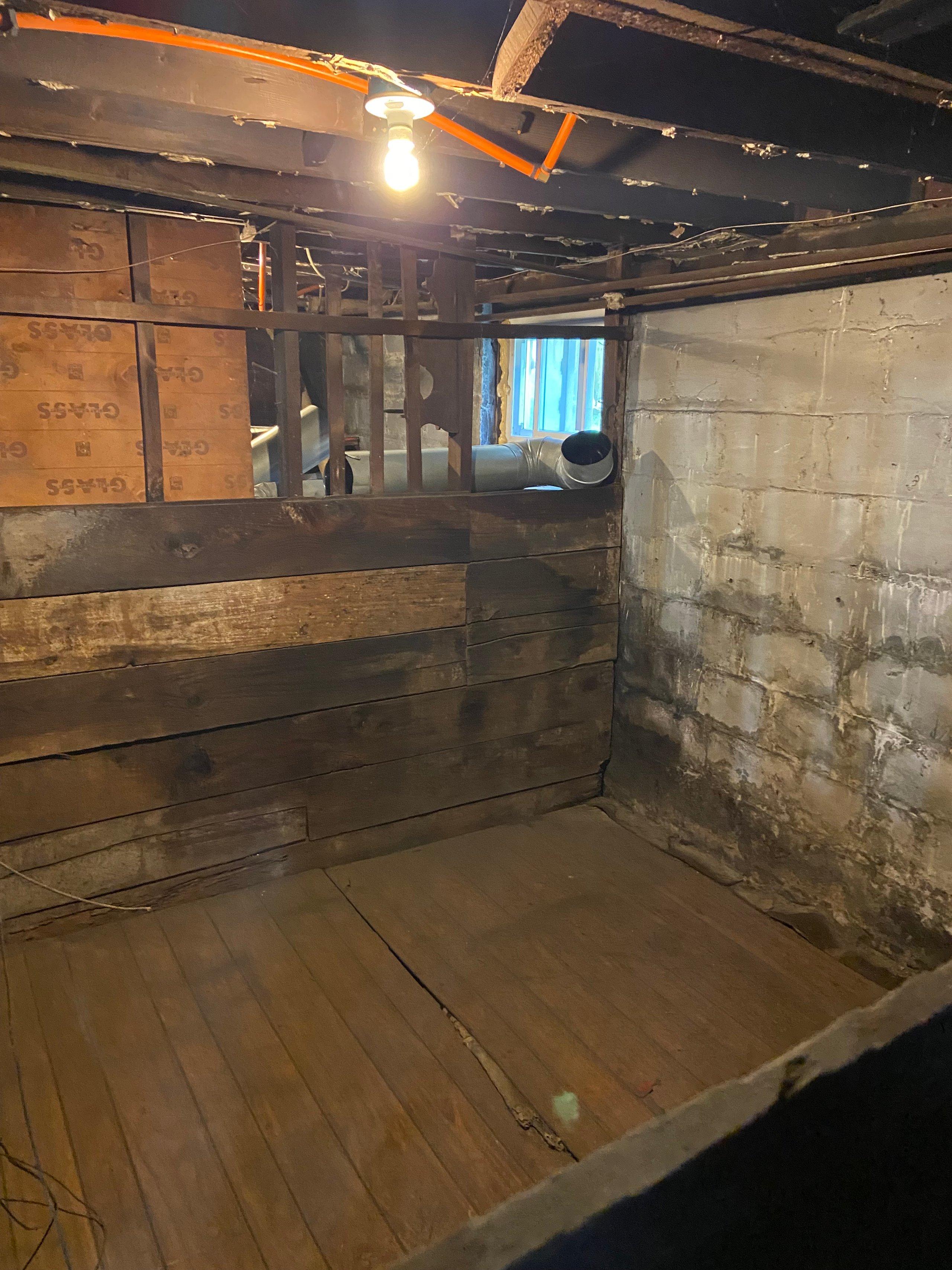 8x10 Basement self storage unit