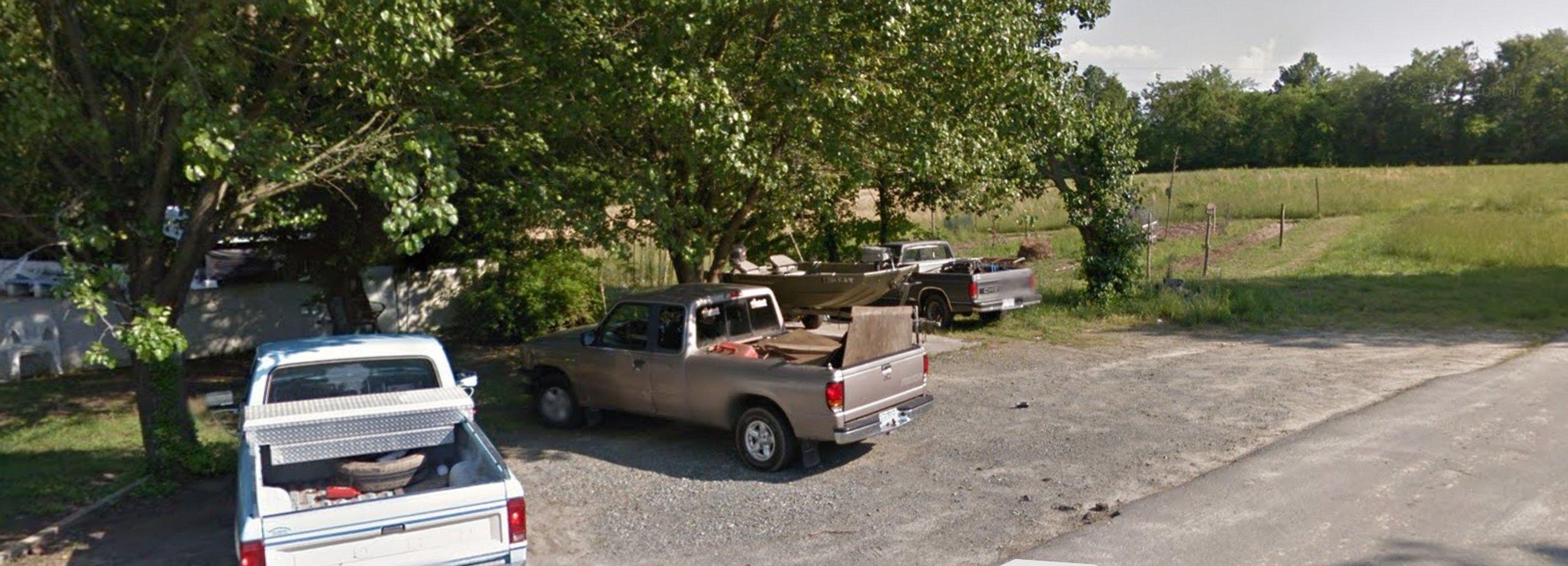 20x40 Unpaved Lot self storage unit