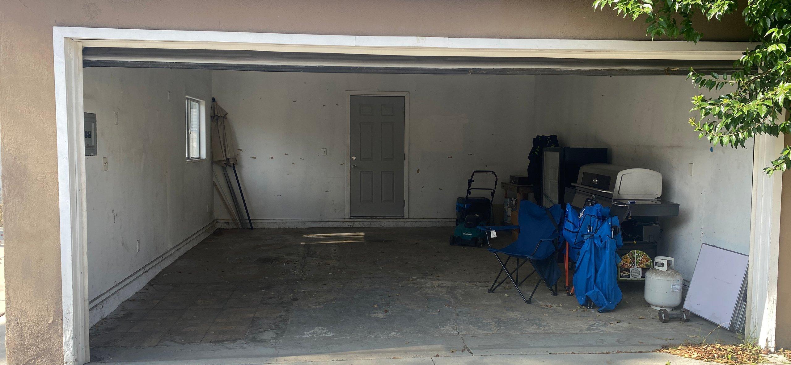 16x19 Garage self storage unit
