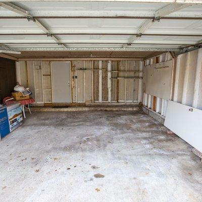 20x7 Garage self storage unit
