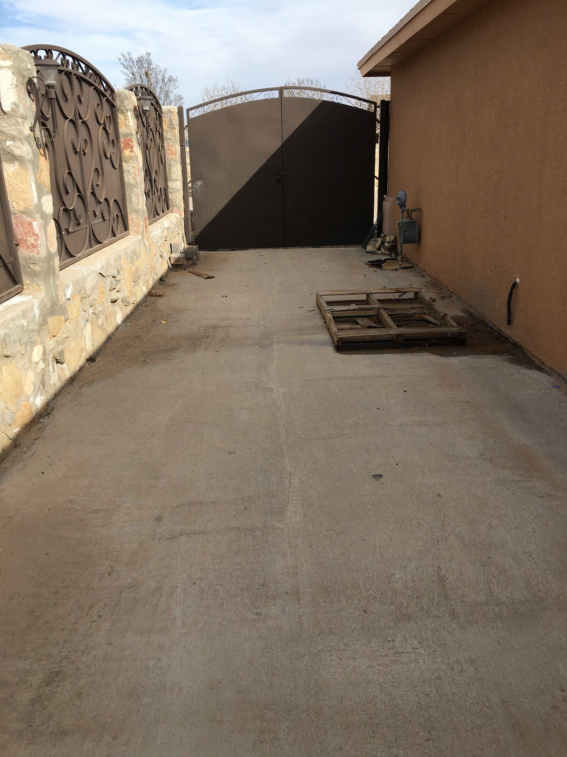 35x20 Driveway self storage unit