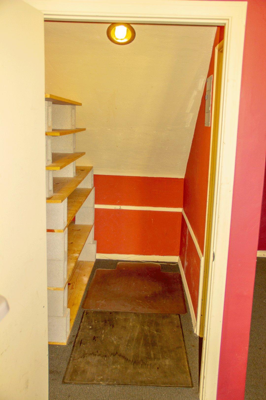 3x10 Closet self storage unit
