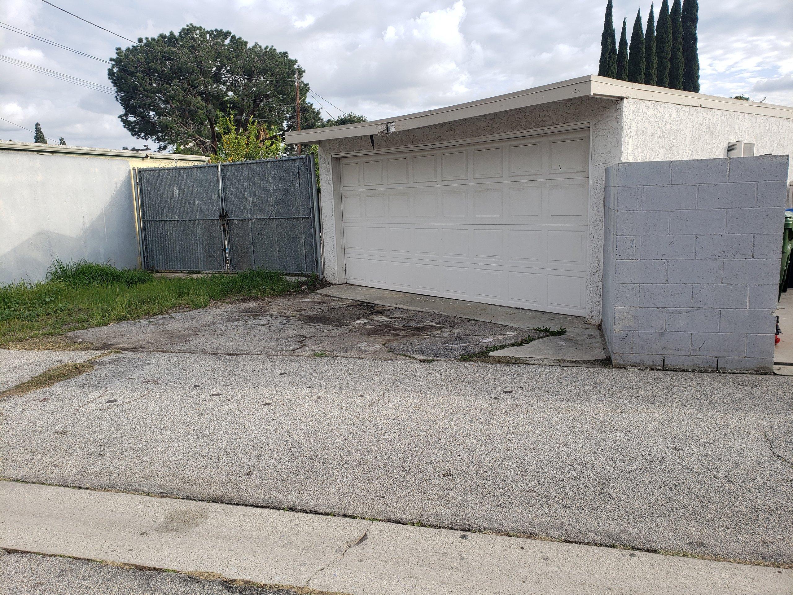 26x16 Driveway self storage unit
