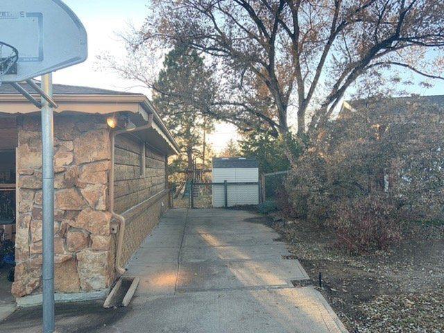 9x30 Driveway self storage unit