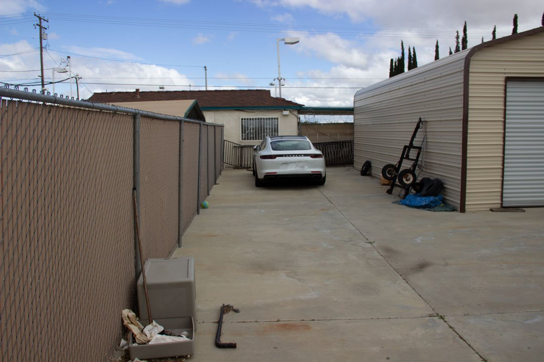 25x25 Parking Lot self storage unit