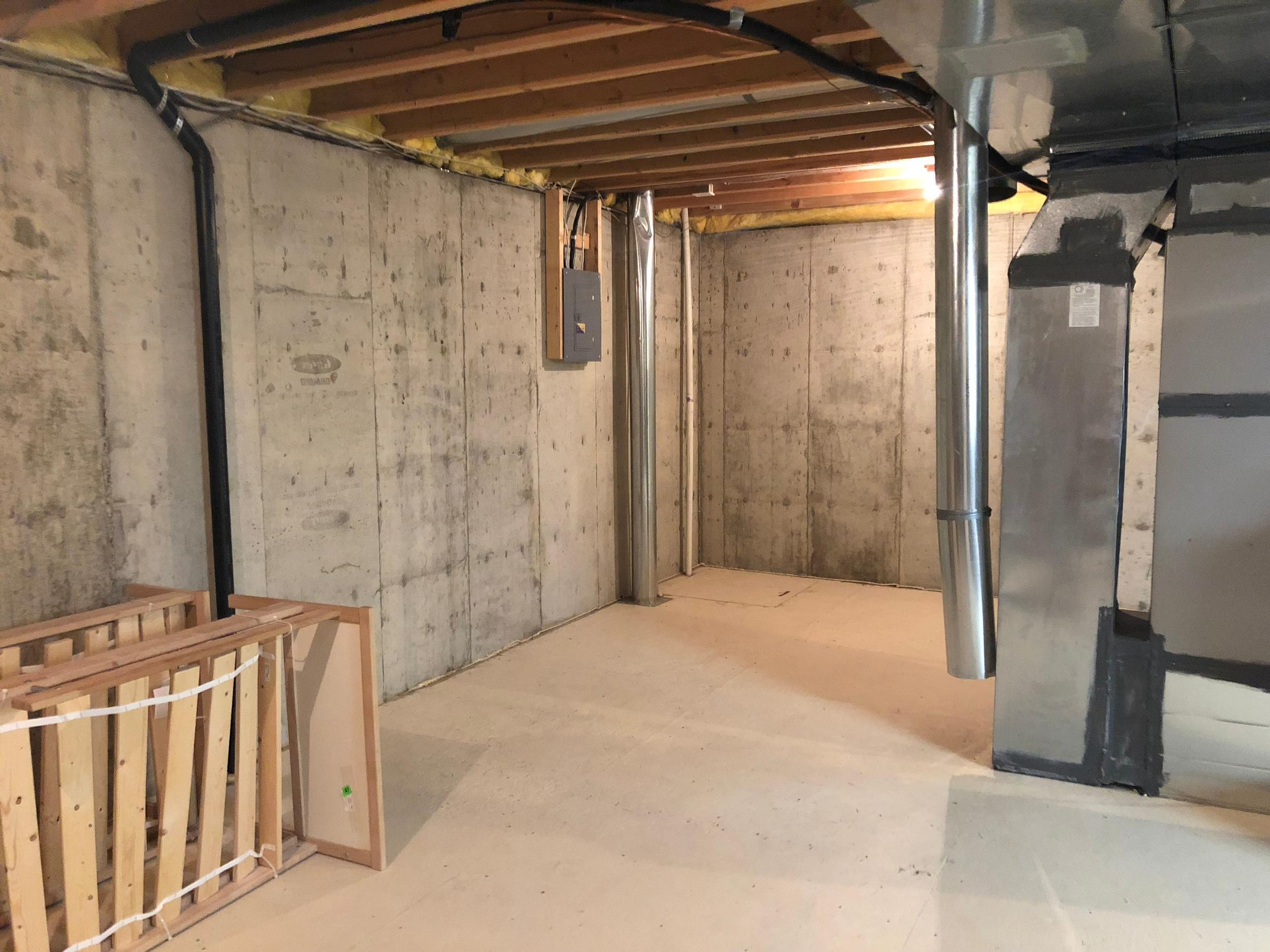 15x15 Basement self storage unit
