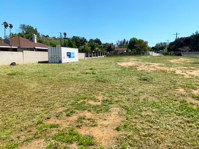 40x10 Unpaved Lot self storage unit