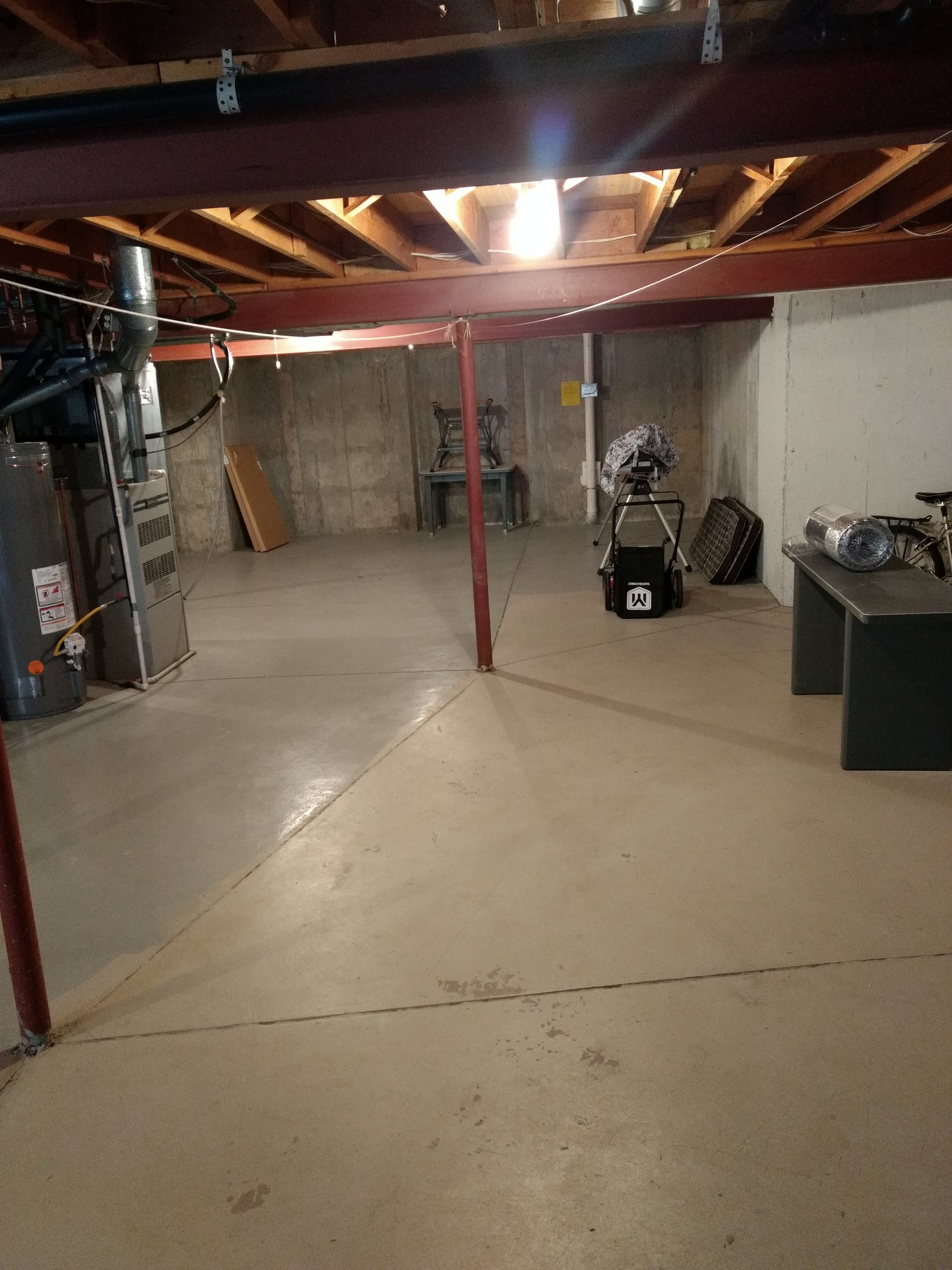 20x15 Basement self storage unit