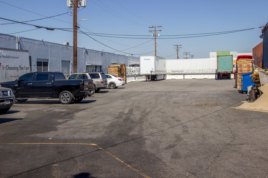 72x10 Parking Lot self storage unit