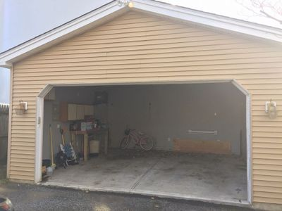 25x30 Garage self storage unit
