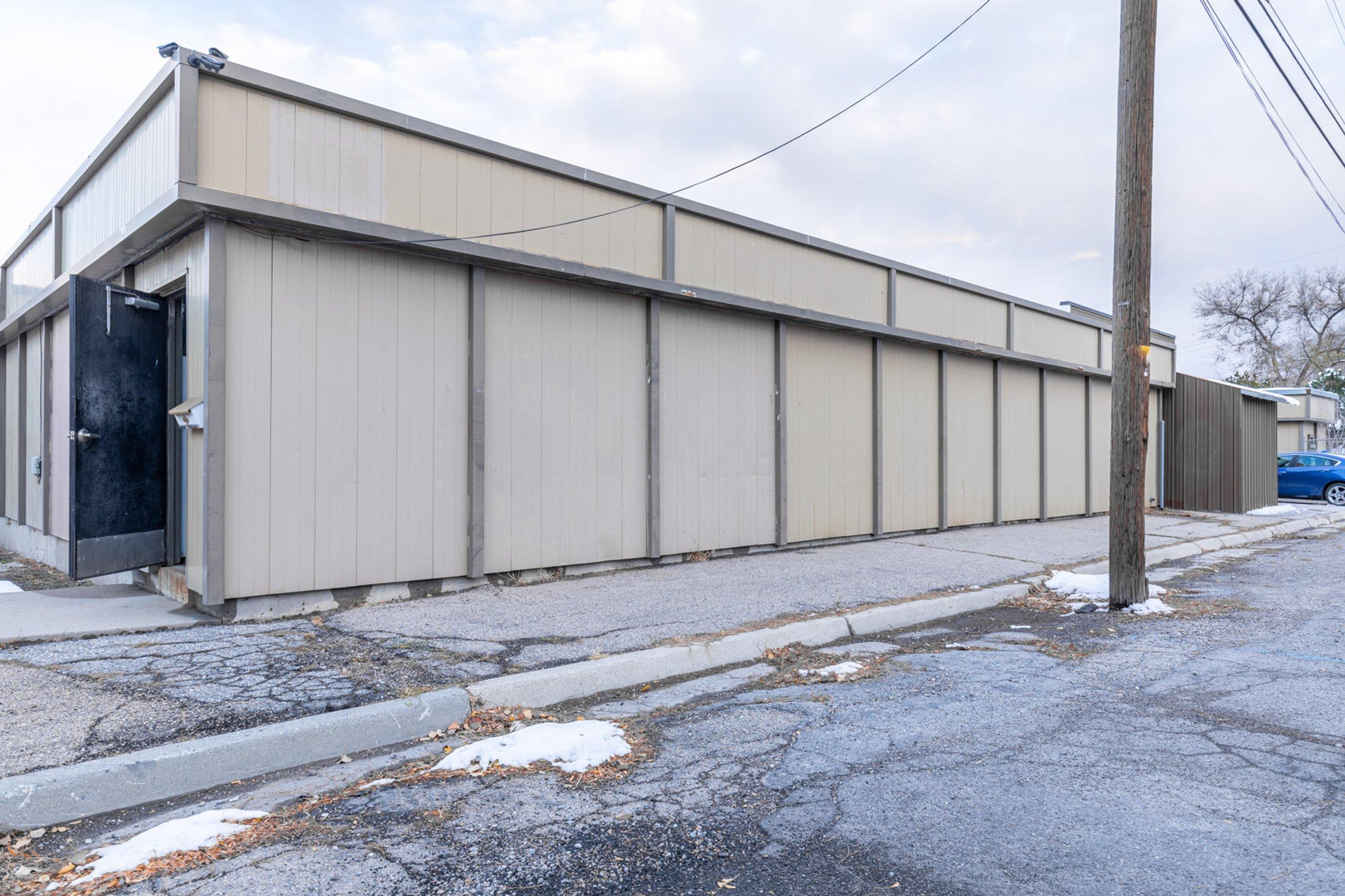 20x7 Parking Lot self storage unit