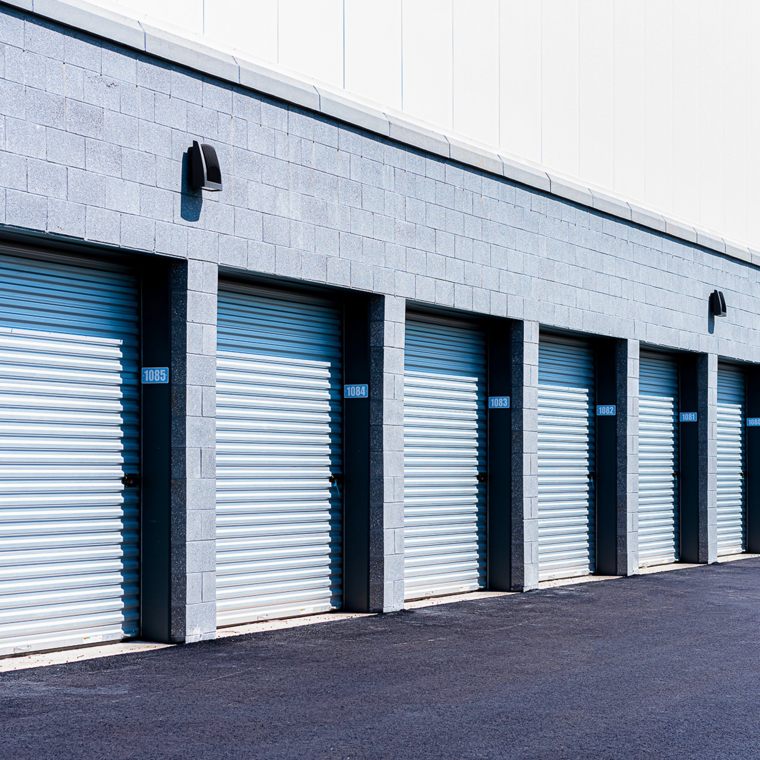 11x40 Parking Lot self storage unit