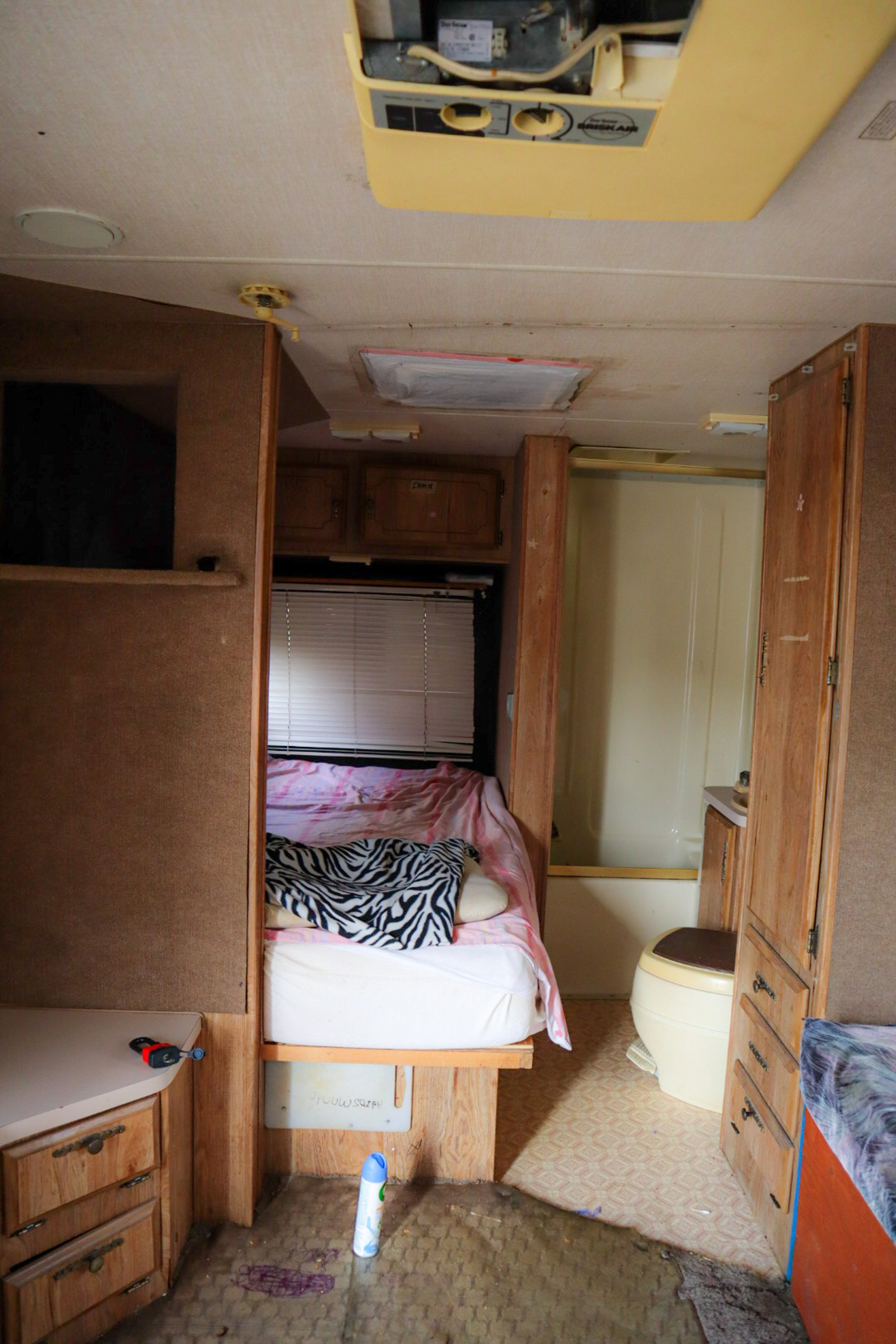 220x204 Carport self storage unit