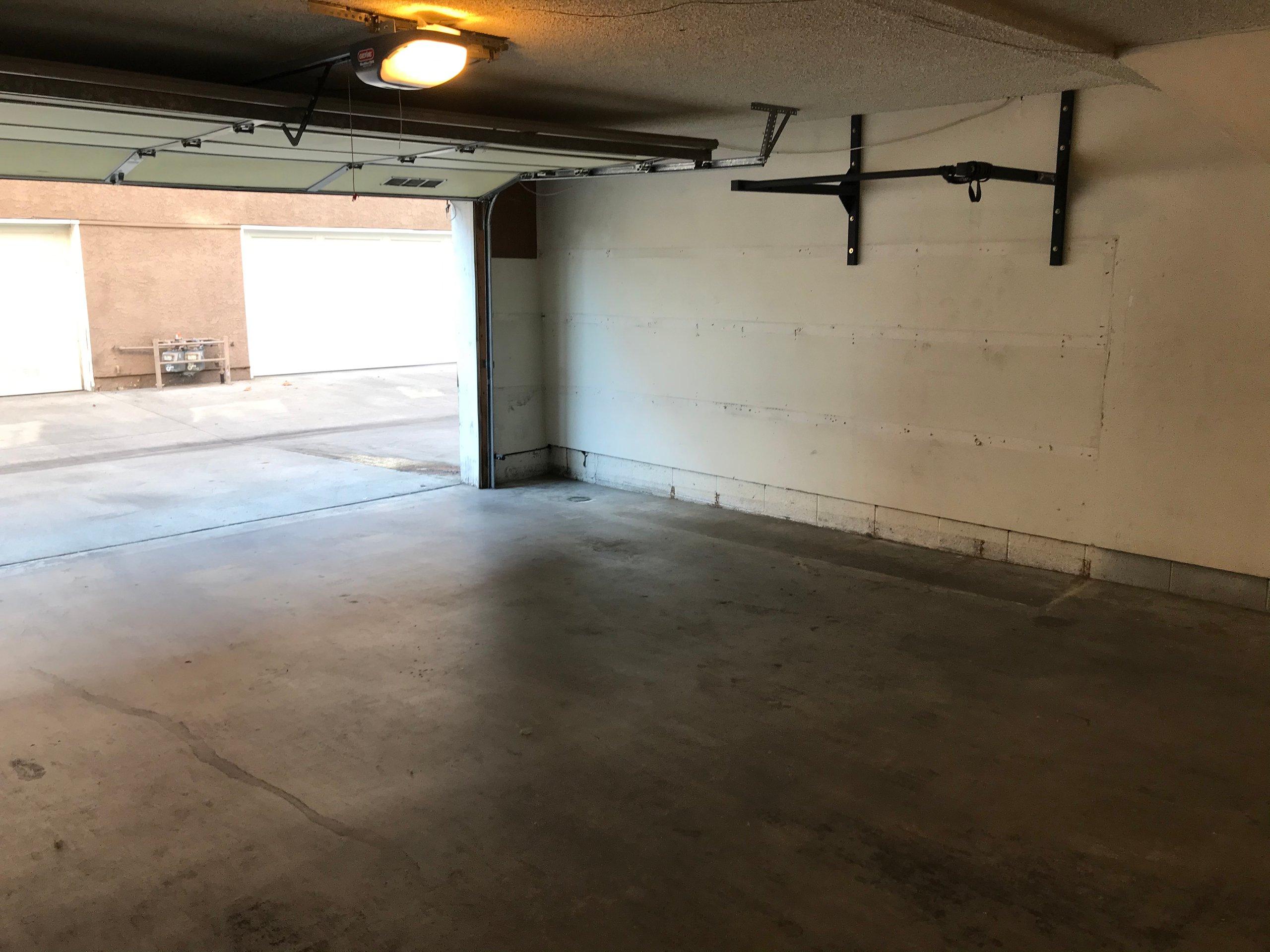 25x10 Garage self storage unit