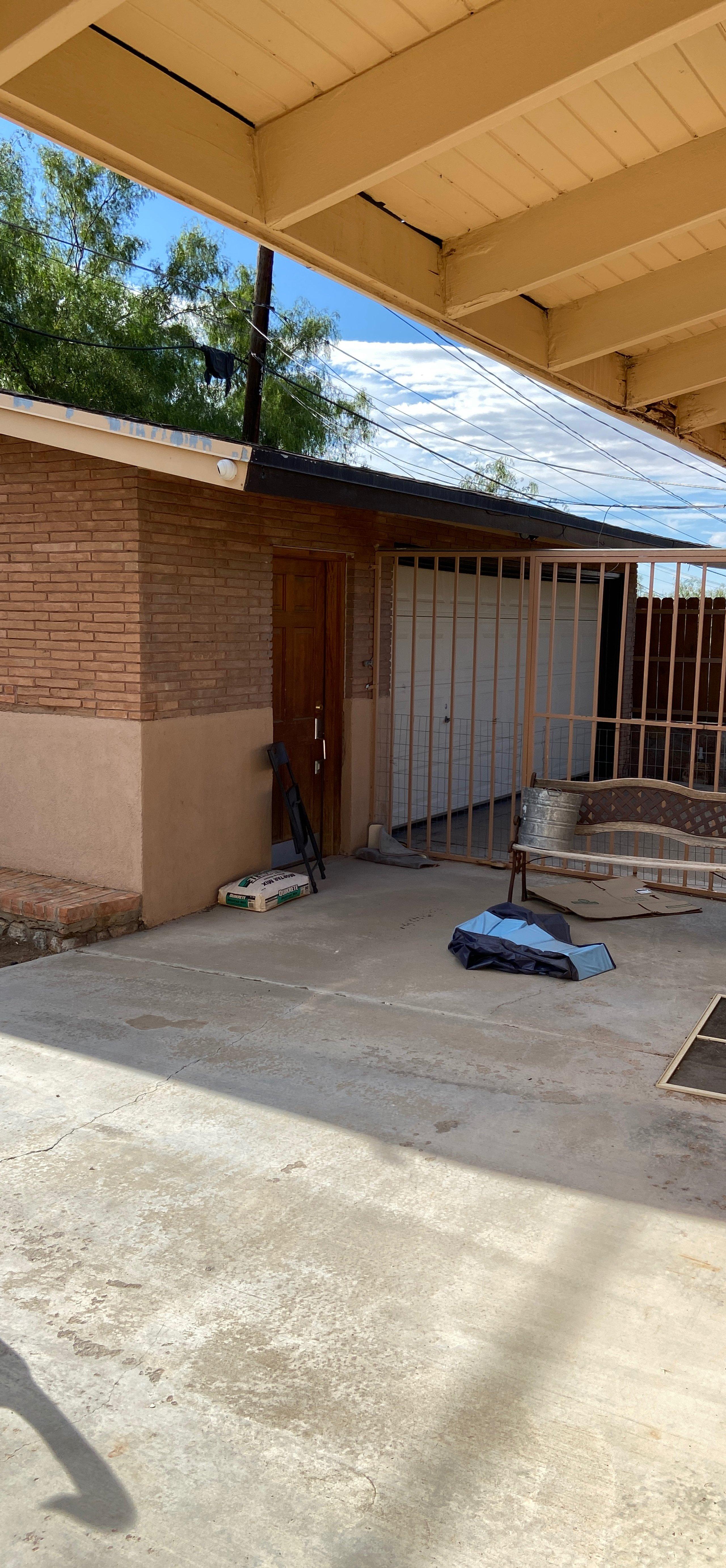 16x18 Garage self storage unit