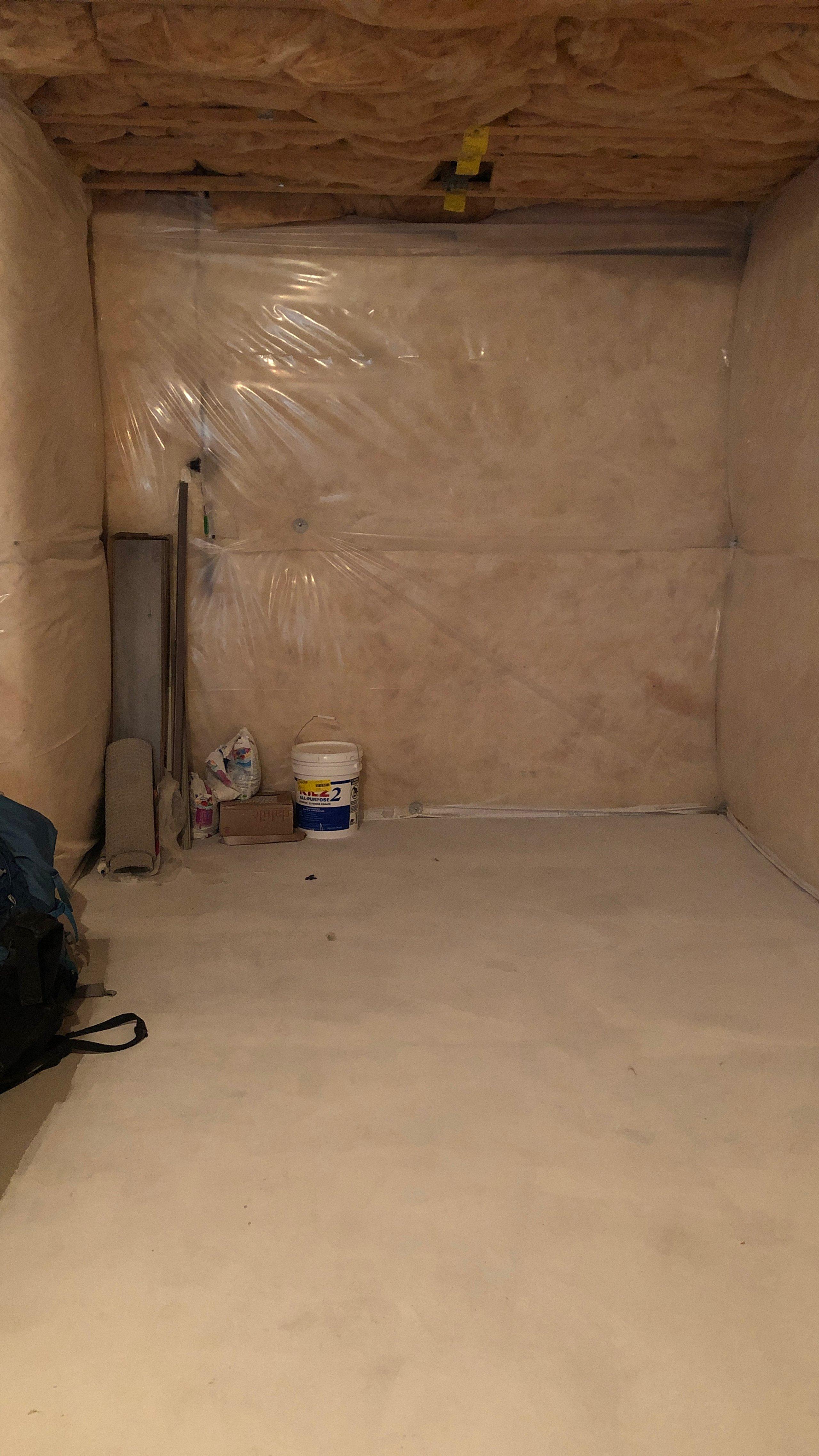20x18 Basement self storage unit