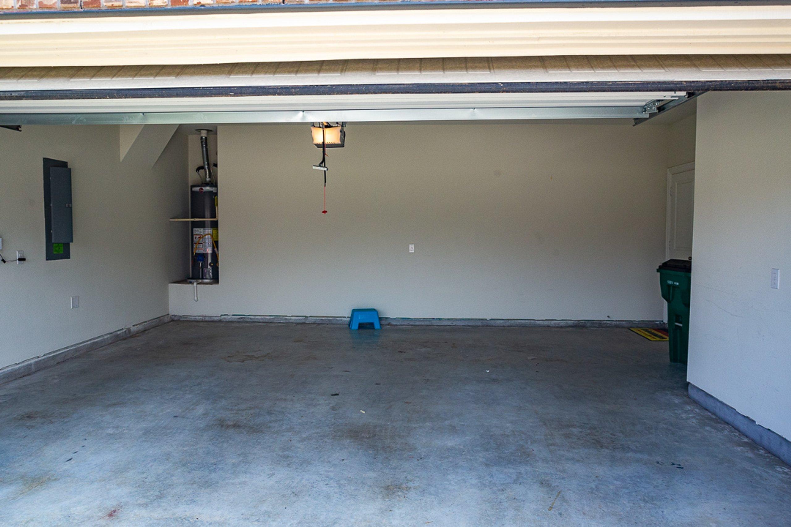 30x25 Garage self storage unit