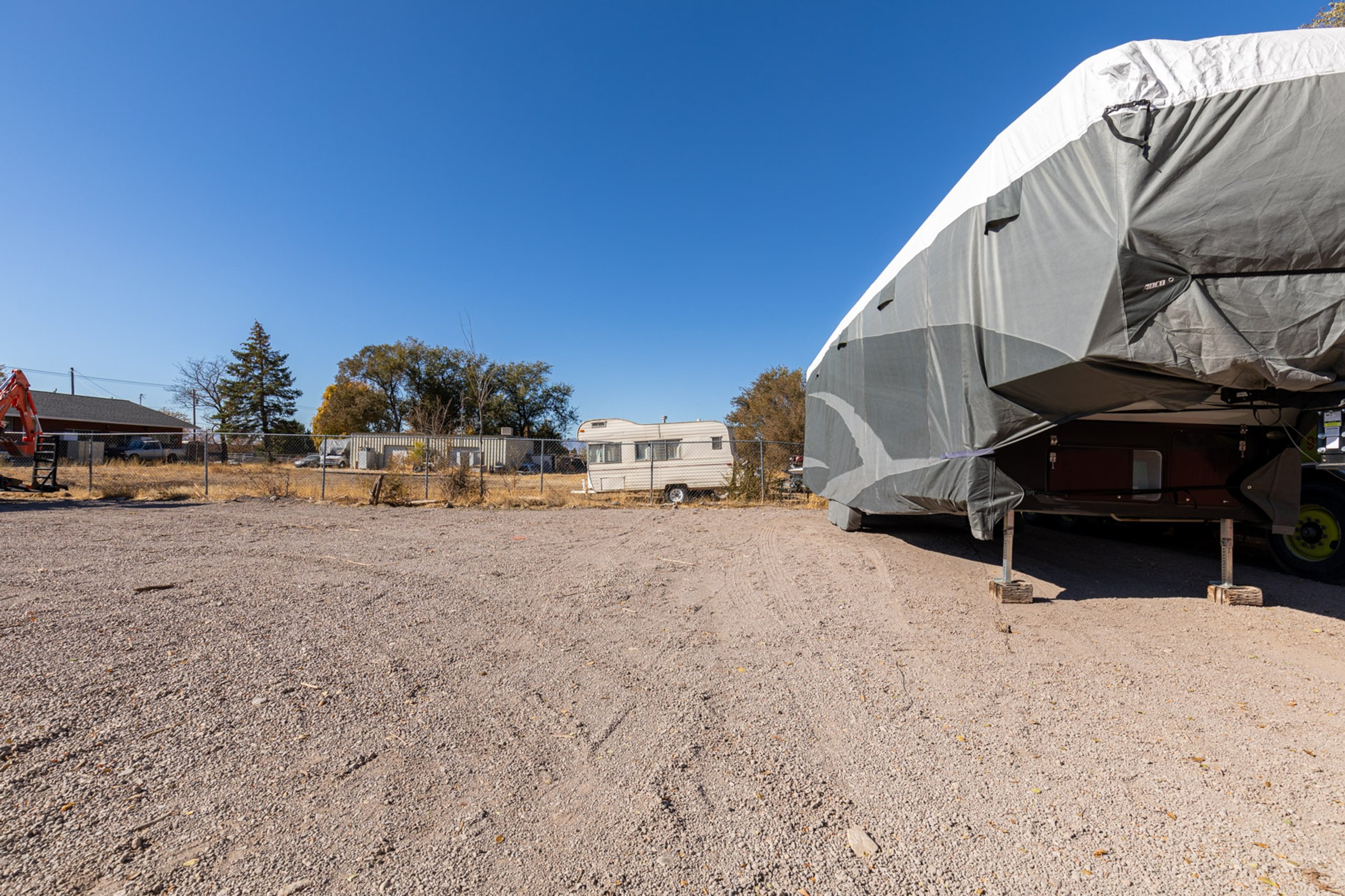 40x12 Unpaved Lot self storage unit