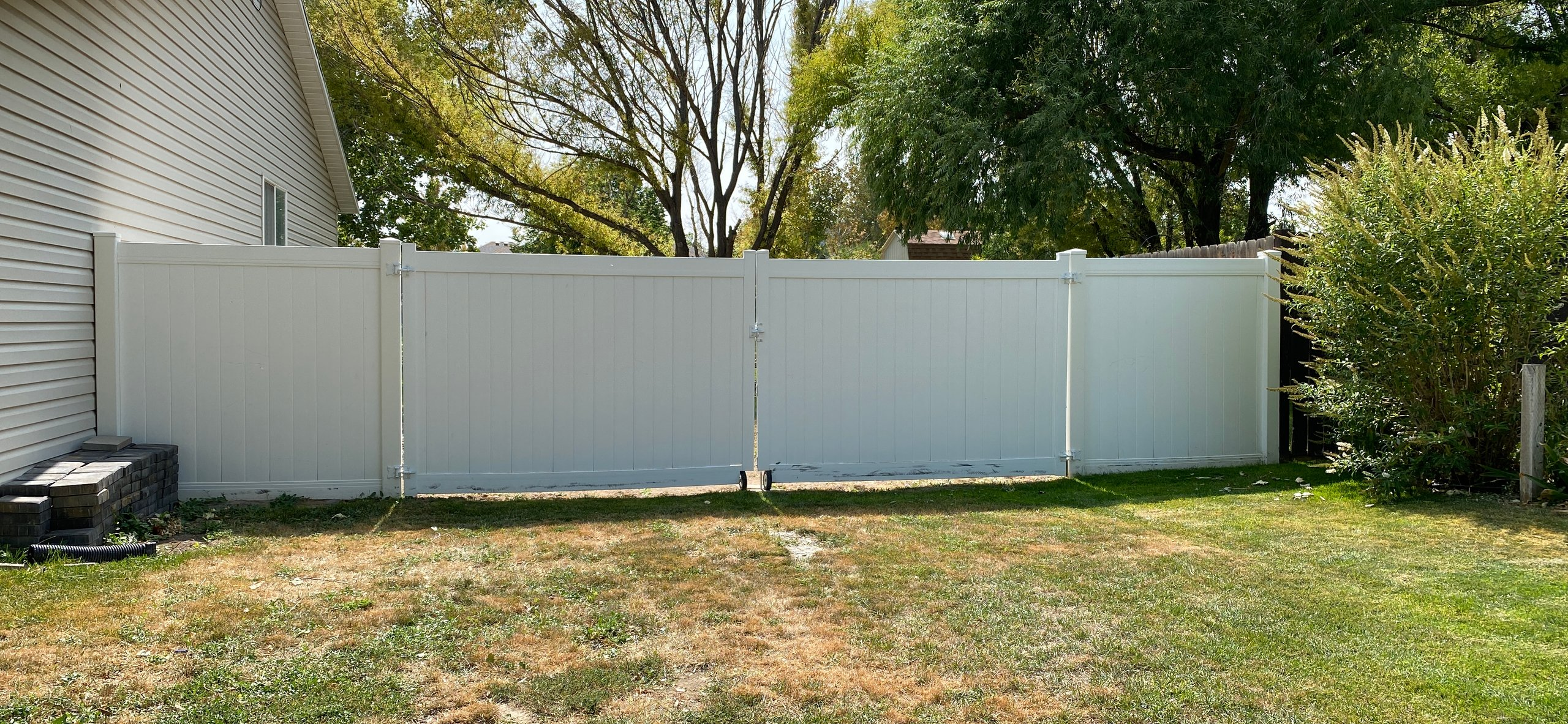 40x29 Unpaved Lot self storage unit
