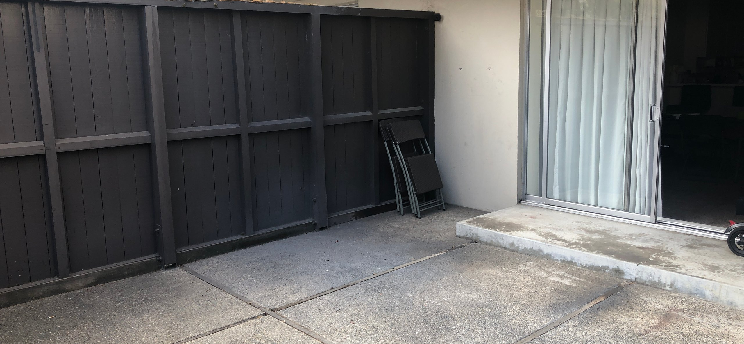 19x16 Unpaved Lot self storage unit