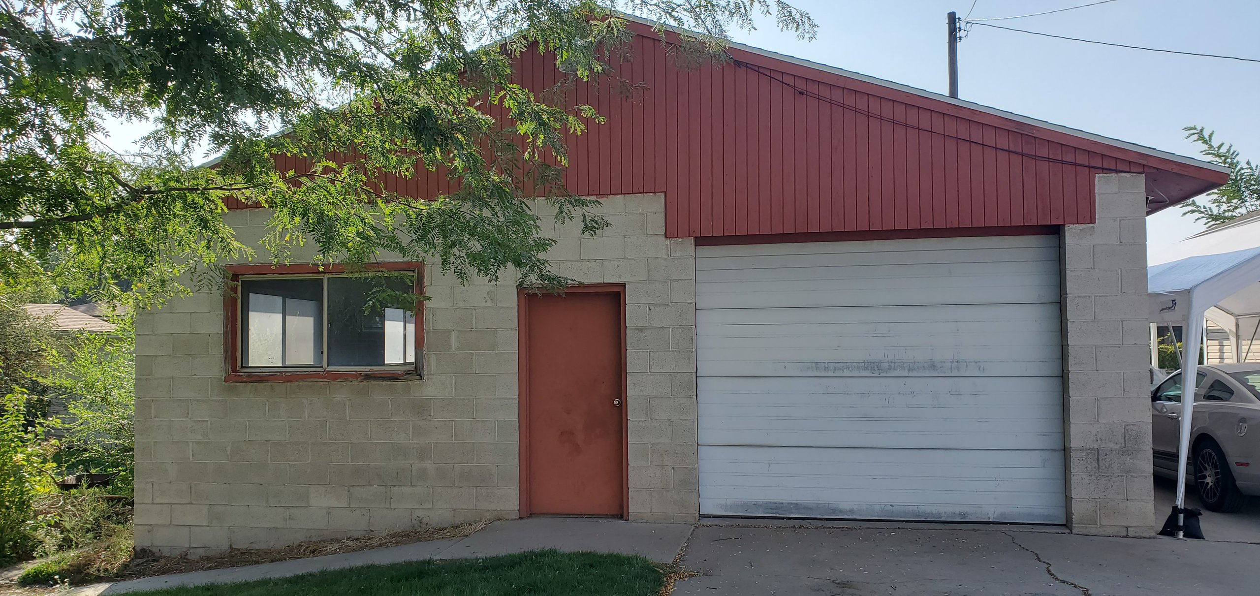 37x26 Garage self storage unit