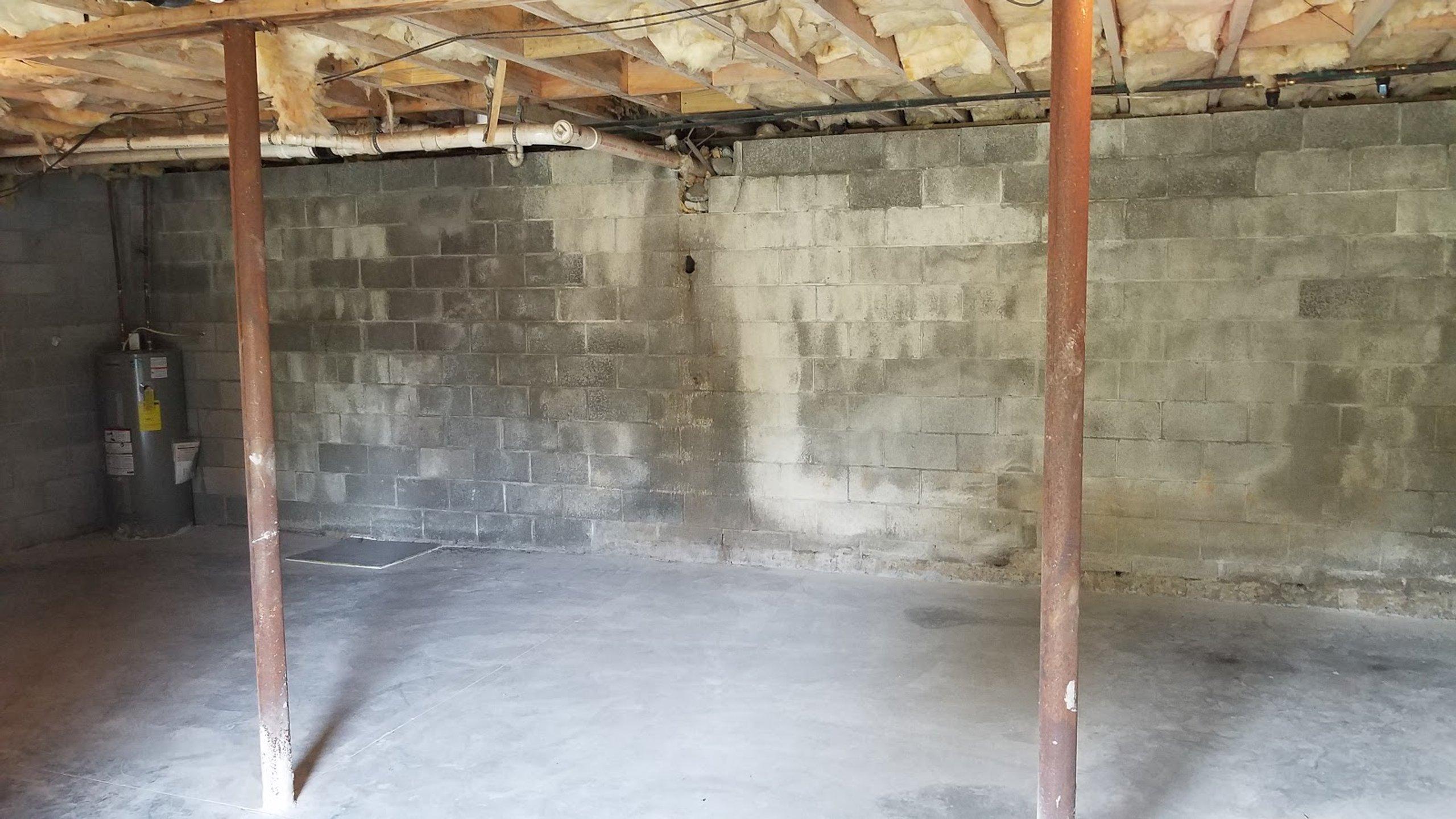 24x27 Basement self storage unit