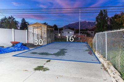 28x16 Driveway self storage unit