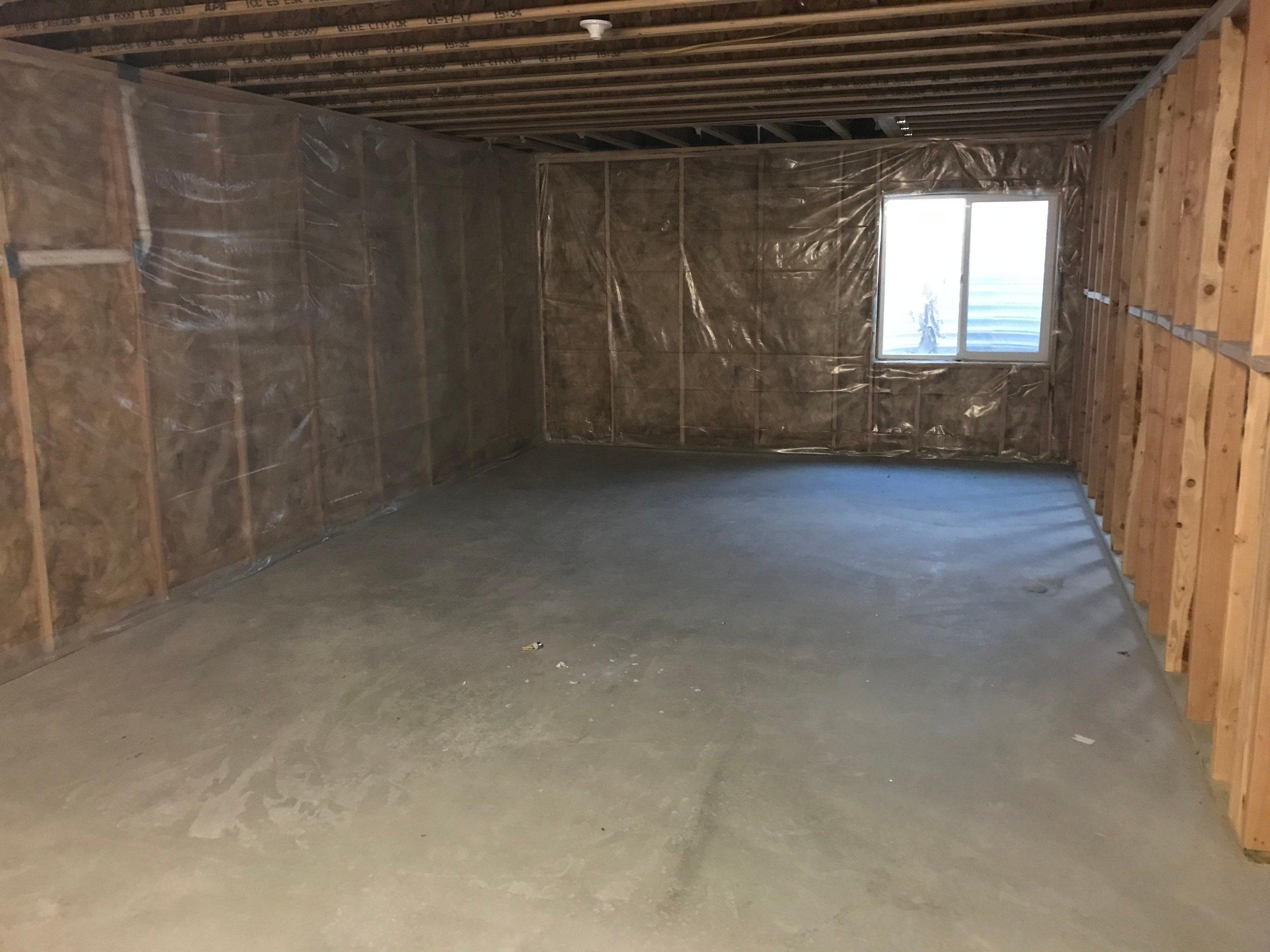 30x15 Basement self storage unit