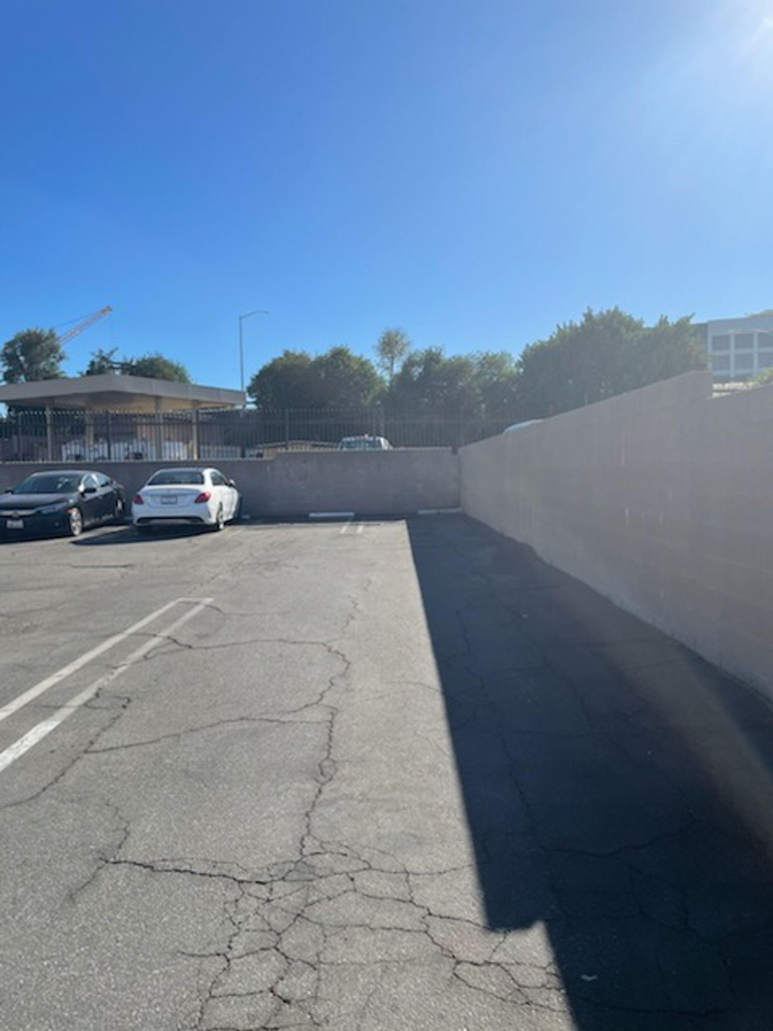23x7 Parking Lot self storage unit