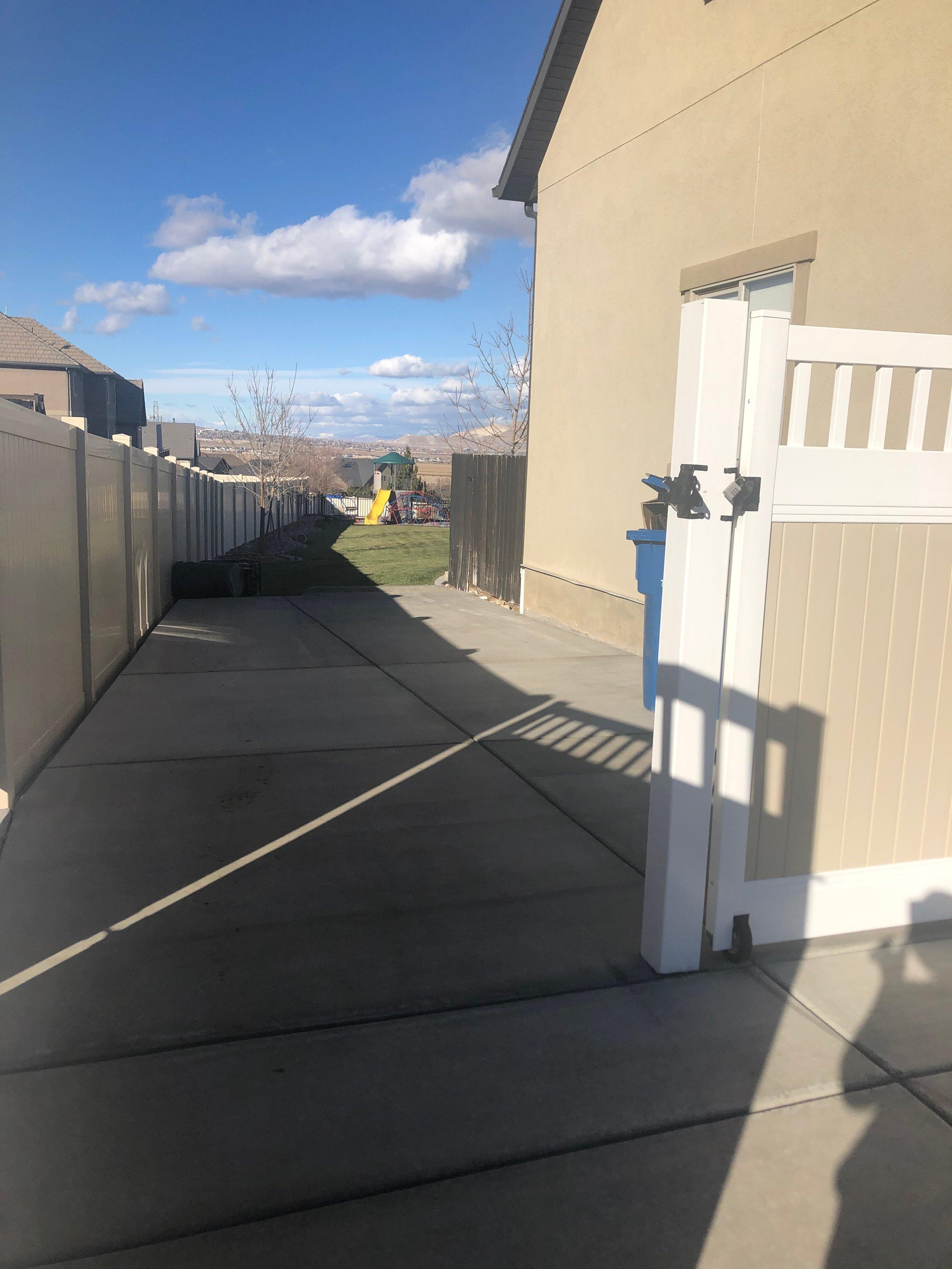 11x32 Driveway self storage unit