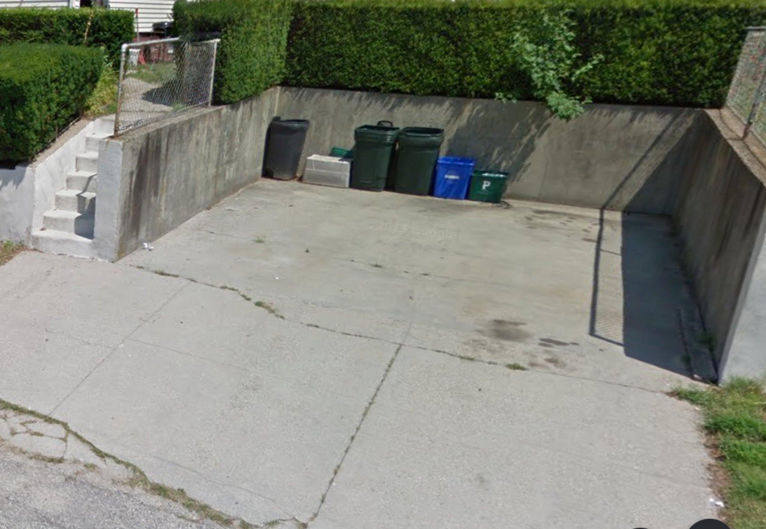 15x7 Driveway self storage unit