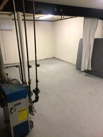 20x12 Basement self storage unit
