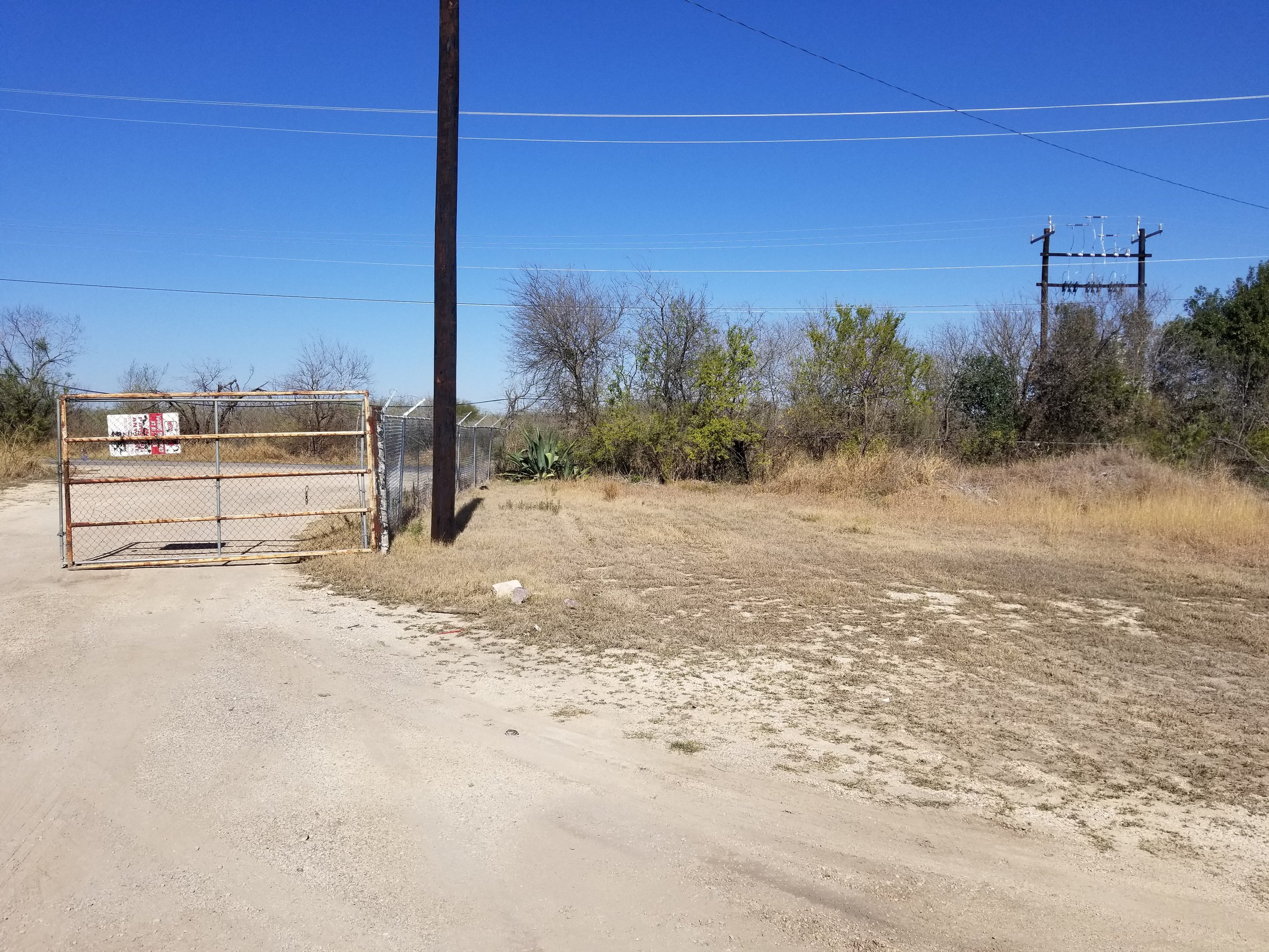 65x20 Unpaved Lot self storage unit