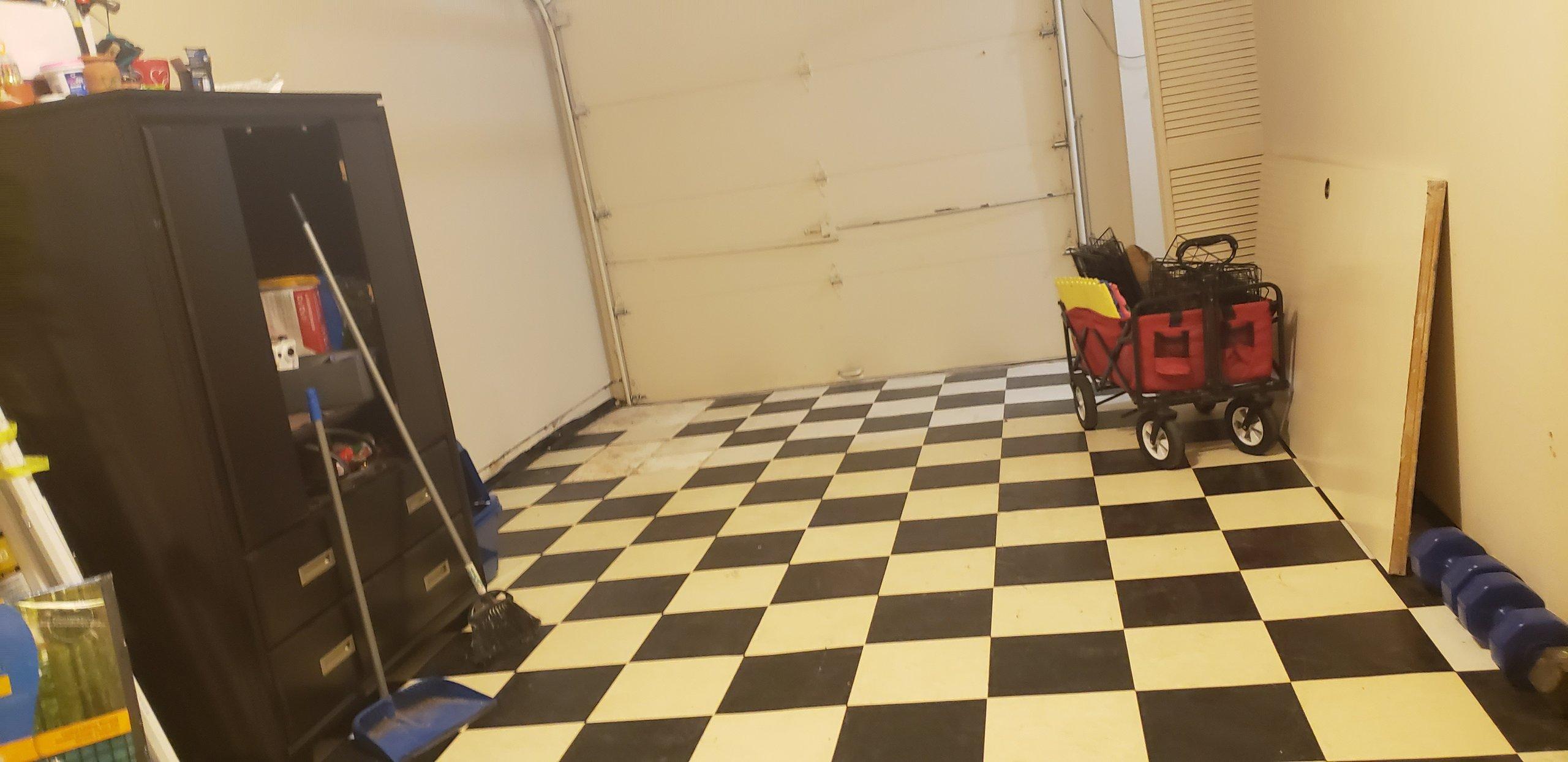 18x16 Garage self storage unit