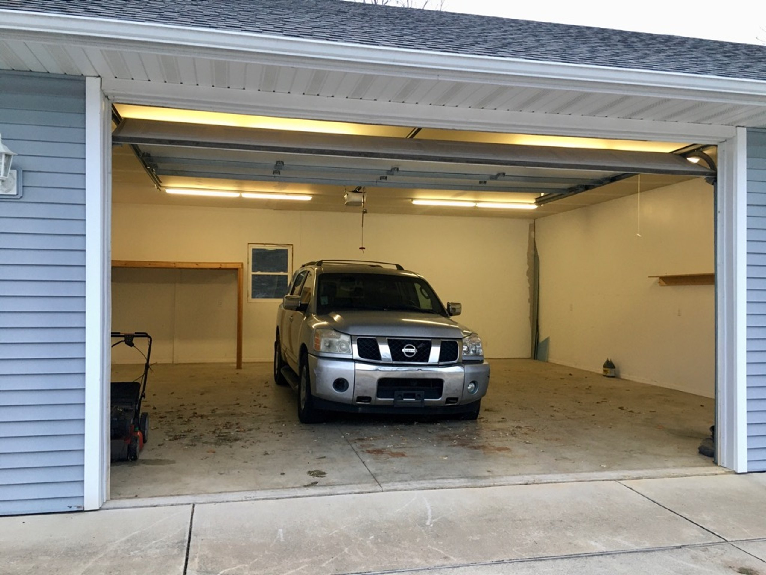 30x30 Garage self storage unit