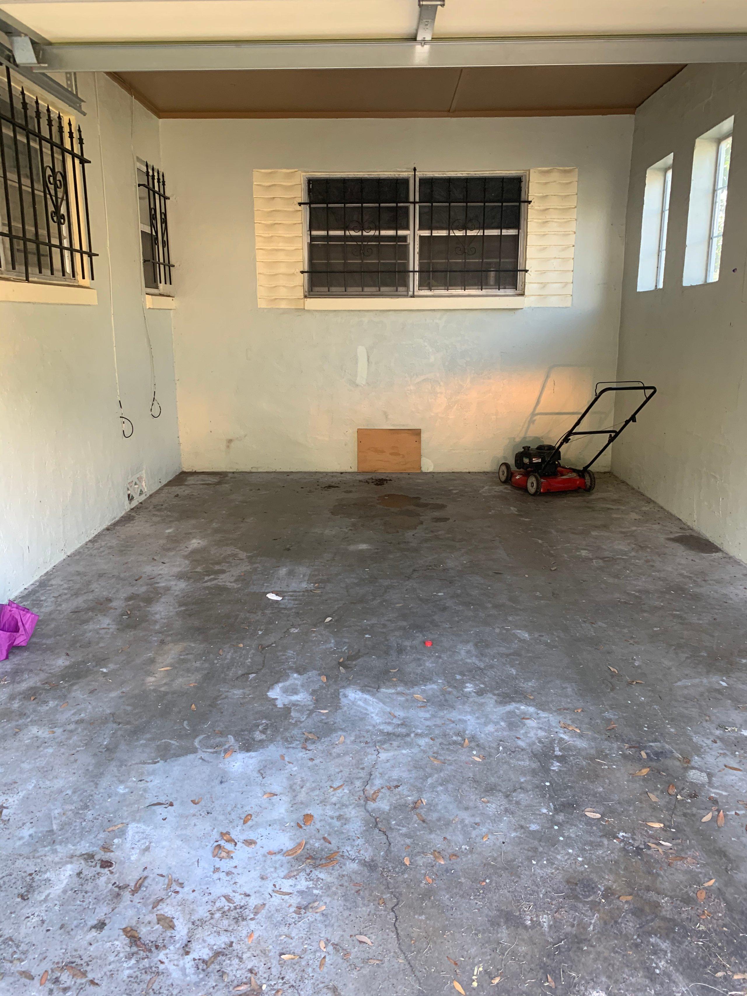 13x20 Garage self storage unit