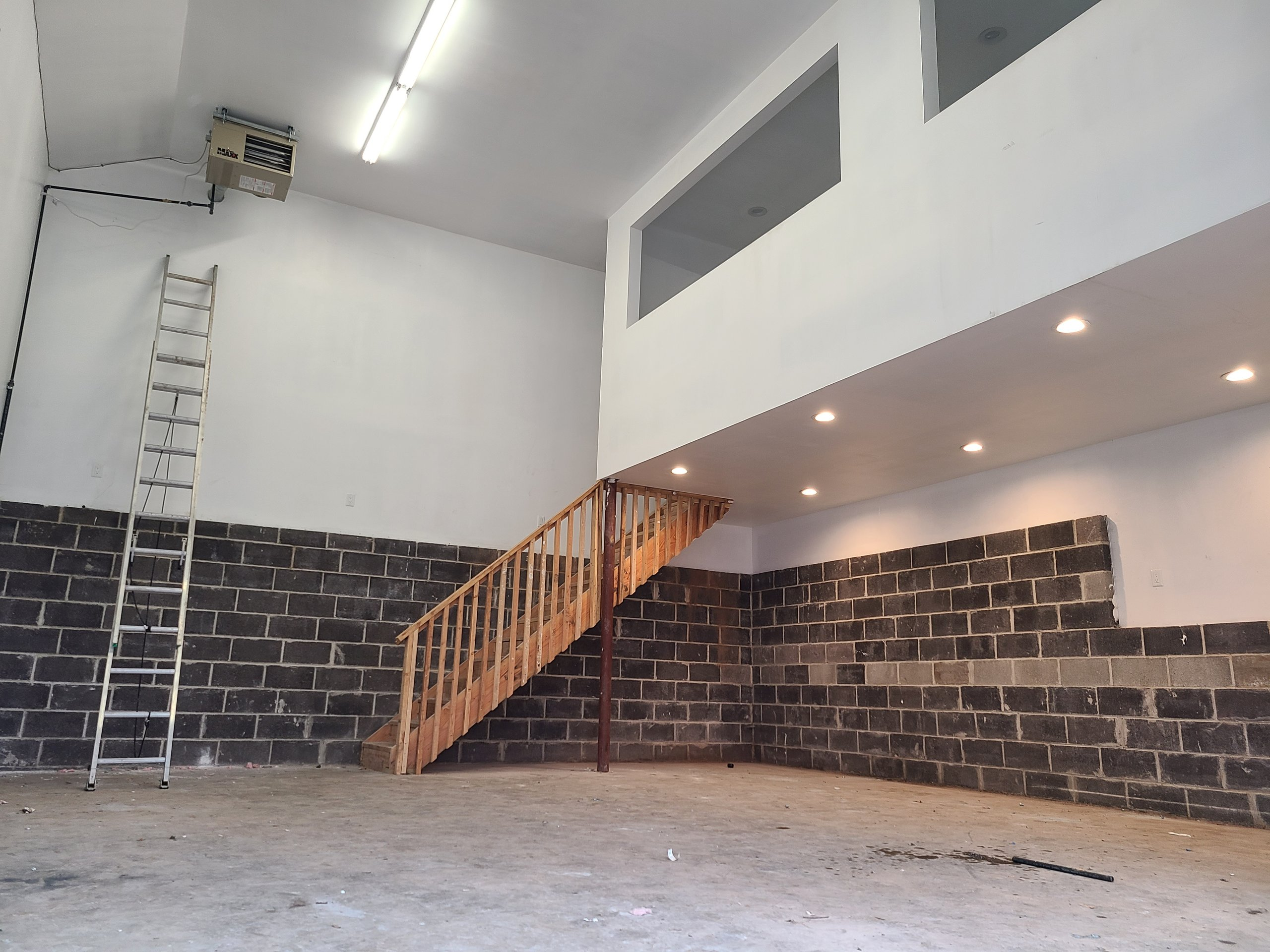 29x33 Garage self storage unit