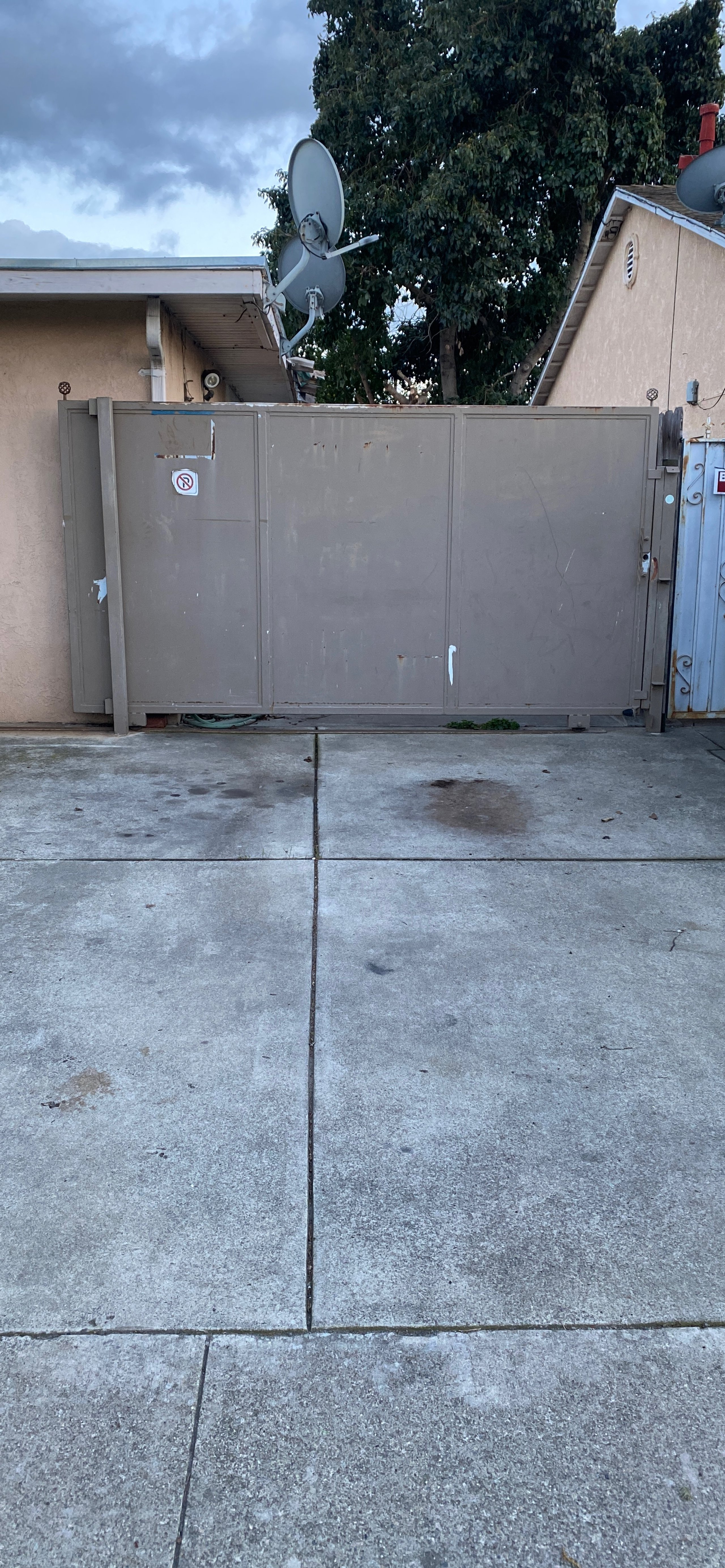 17x9 Driveway self storage unit