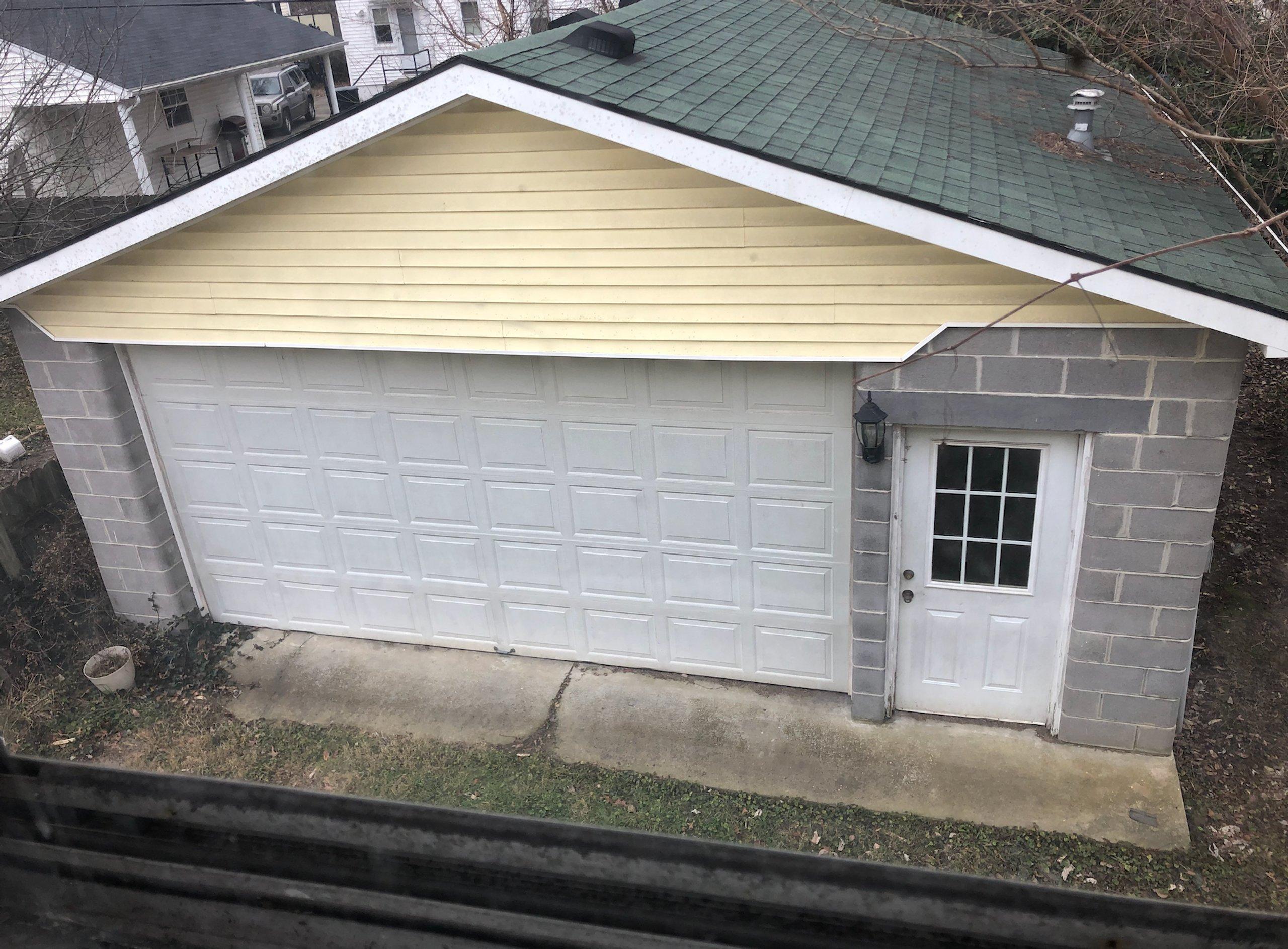 23x23 Garage self storage unit