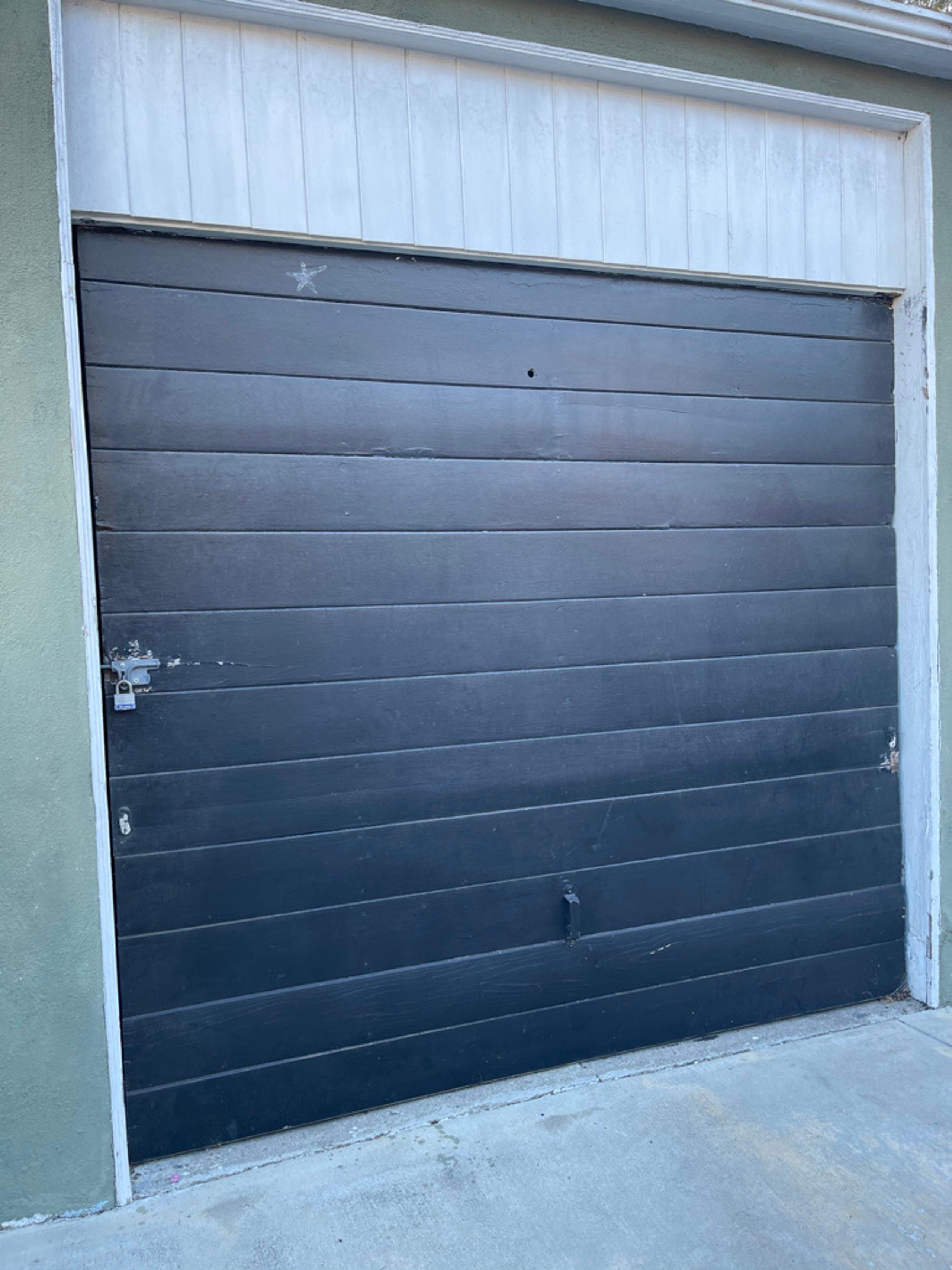 18x7 Garage self storage unit