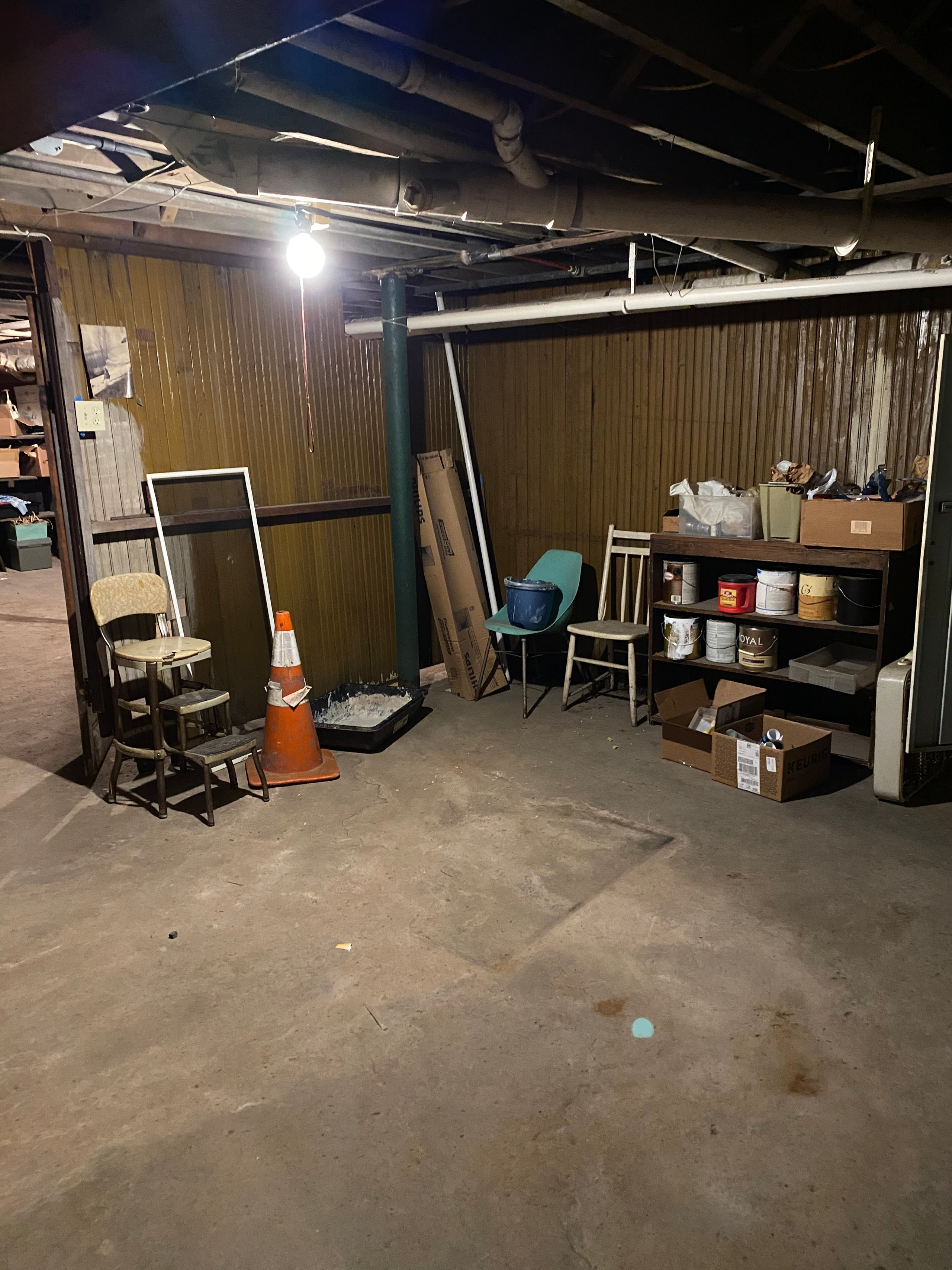 50x30 Basement self storage unit